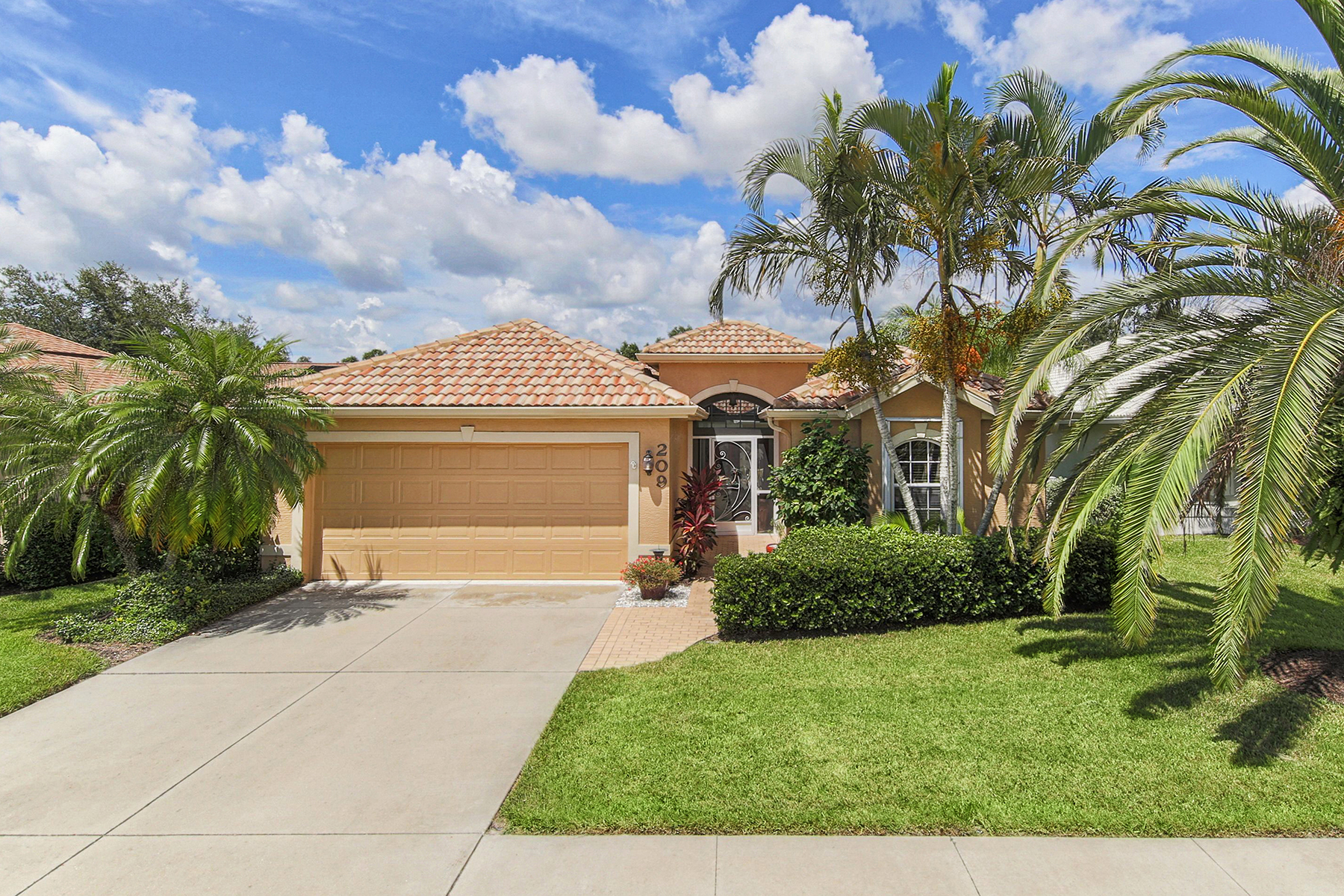 Single Family Home for Sale at 209 Venice Palms Blvd , Venice, FL 34292 209 Venice Palms Blvd Venice, Florida, 34292 United States