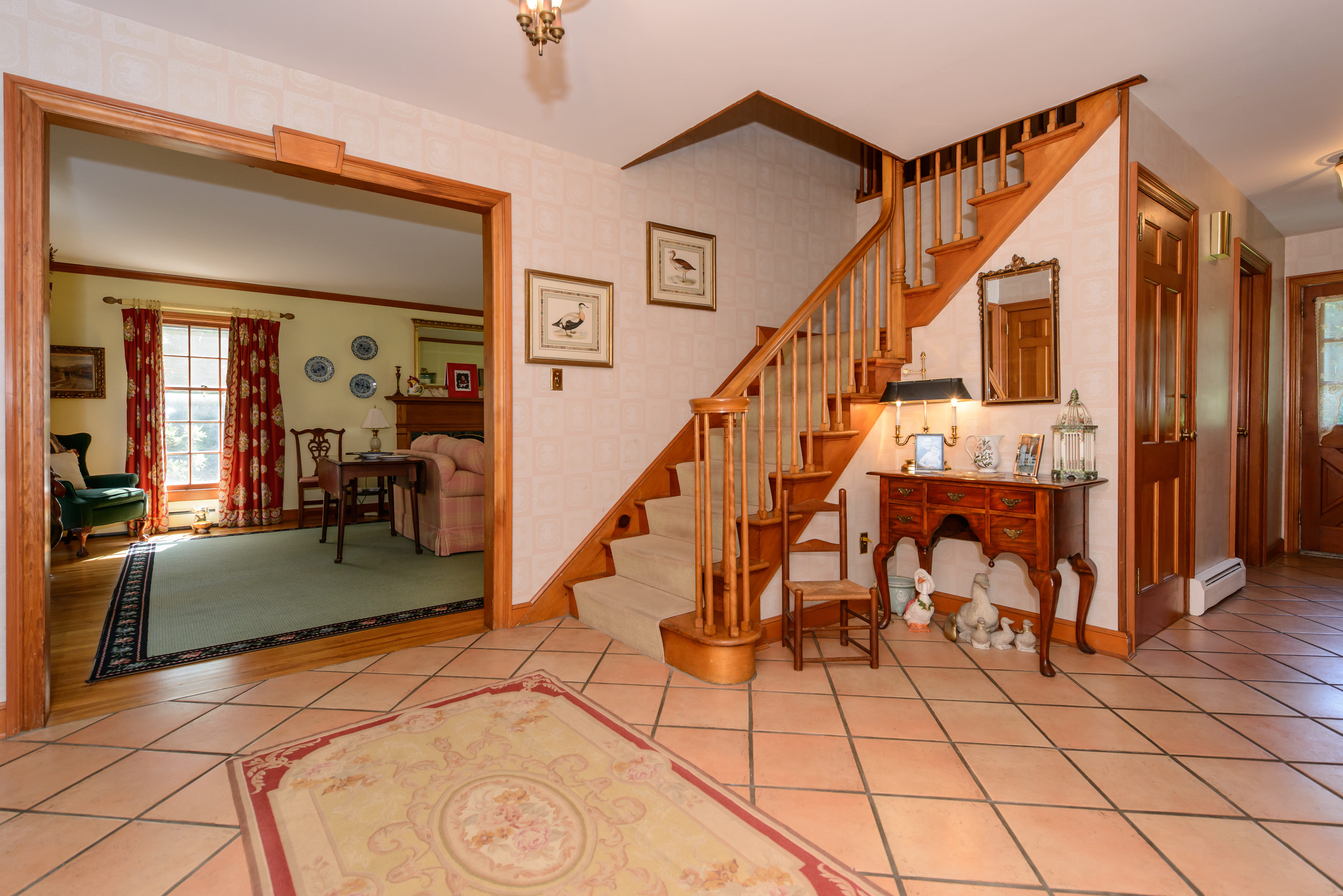 Single Family Home for Sale at Colonial 3A Bowden Ln Glen Head, New York 11545 United States