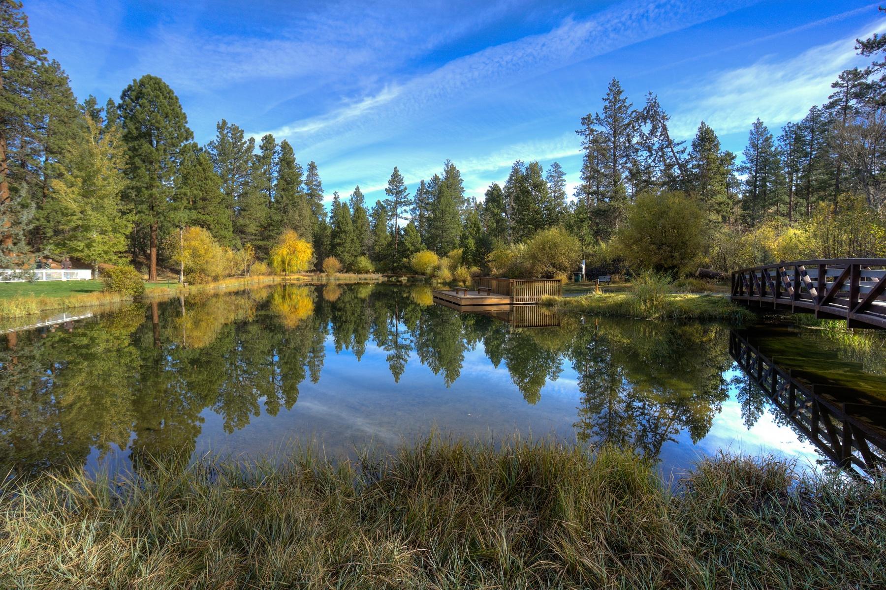 独户住宅 为 销售 在 Three Pines 19069 Mt McLoughlin Ln 本德, 俄勒冈州, 97703 美国