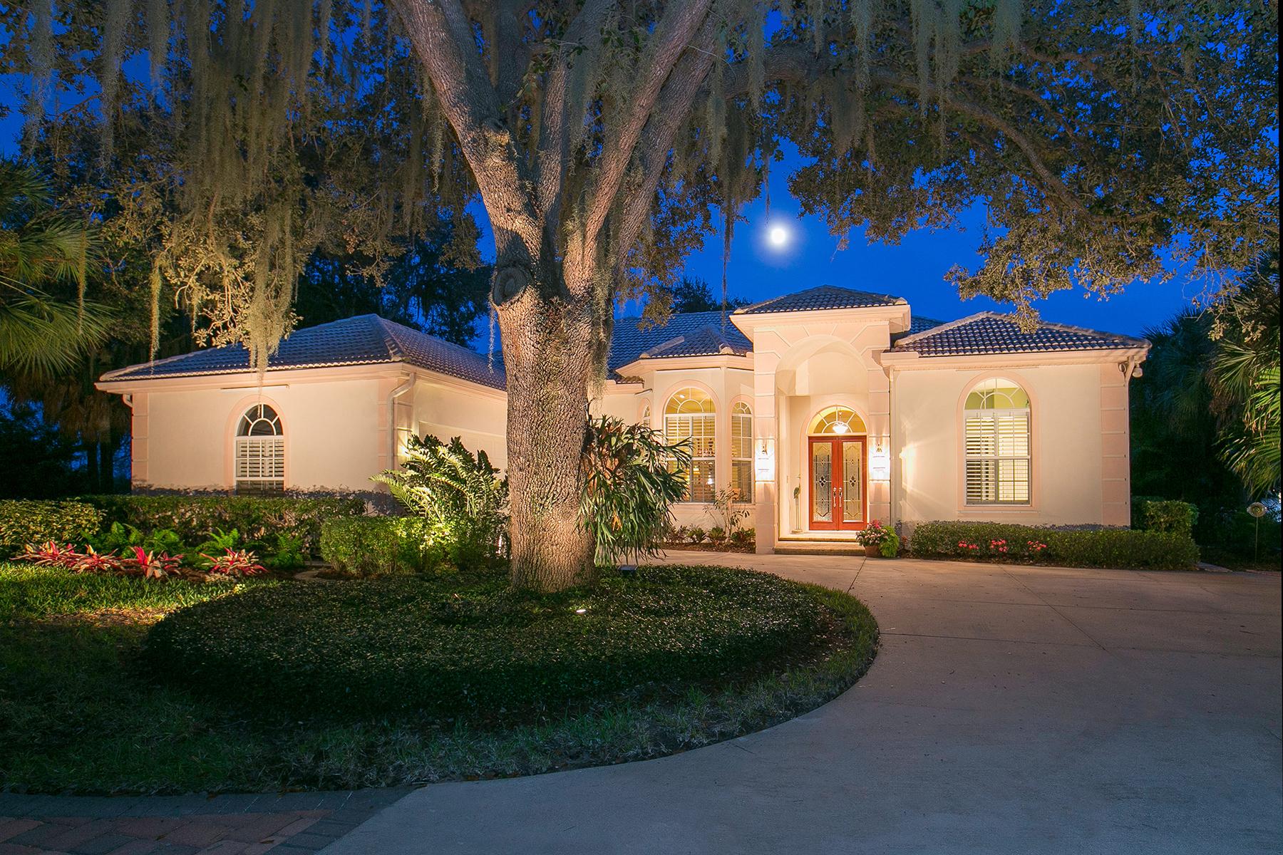 Maison unifamiliale pour l Vente à BOCA ROYALE 19 N Cayman Isles Blvd Englewood, Florida 34223 États-Unis