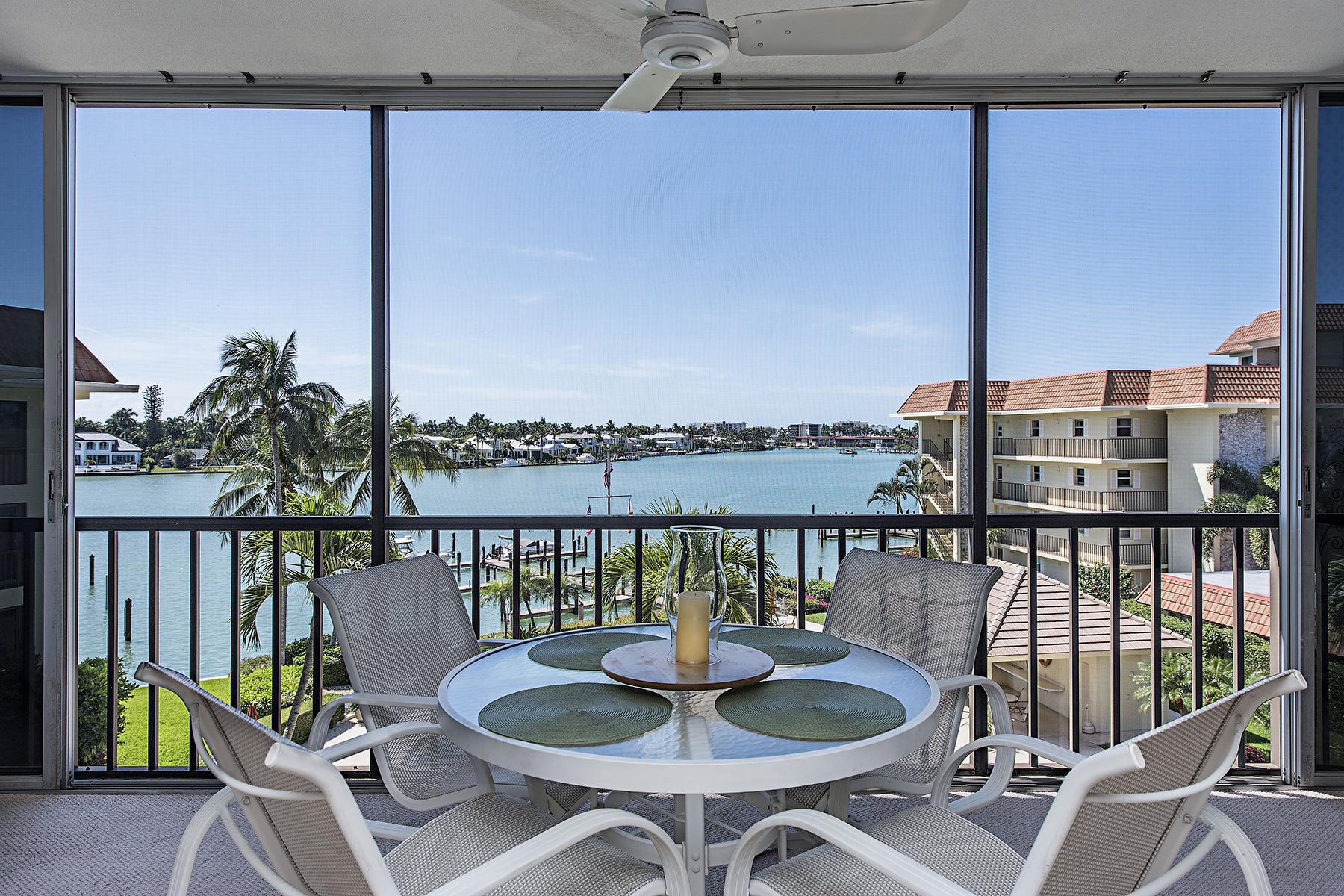 Kat Mülkiyeti için Satış at Naples 222 Harbour Dr 408 Naples, Florida, 34103 Amerika Birleşik Devletleri