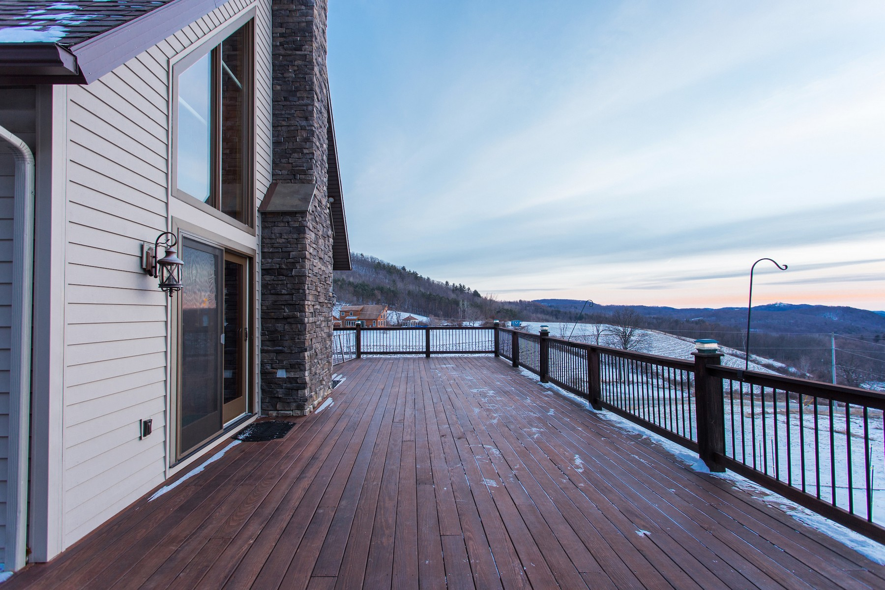 Additional photo for property listing at Breathtaking Home With View of Surrounding Hilltop 163  Pope Hill Rd Argyle, New York 12809 États-Unis