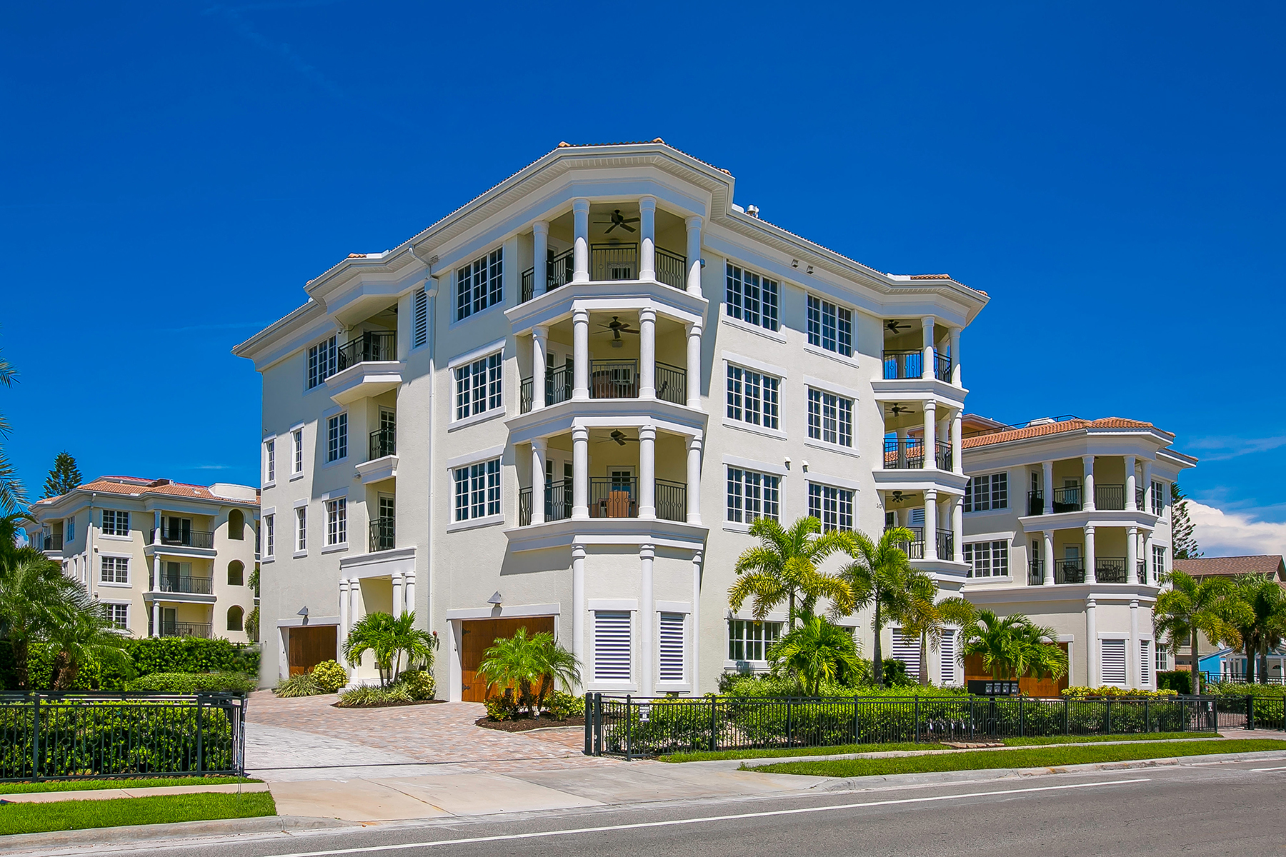 Condominium for Sale at SIESTA KEY 309 Beach Rd 309-S1 Sarasota, Florida, 34242 United States