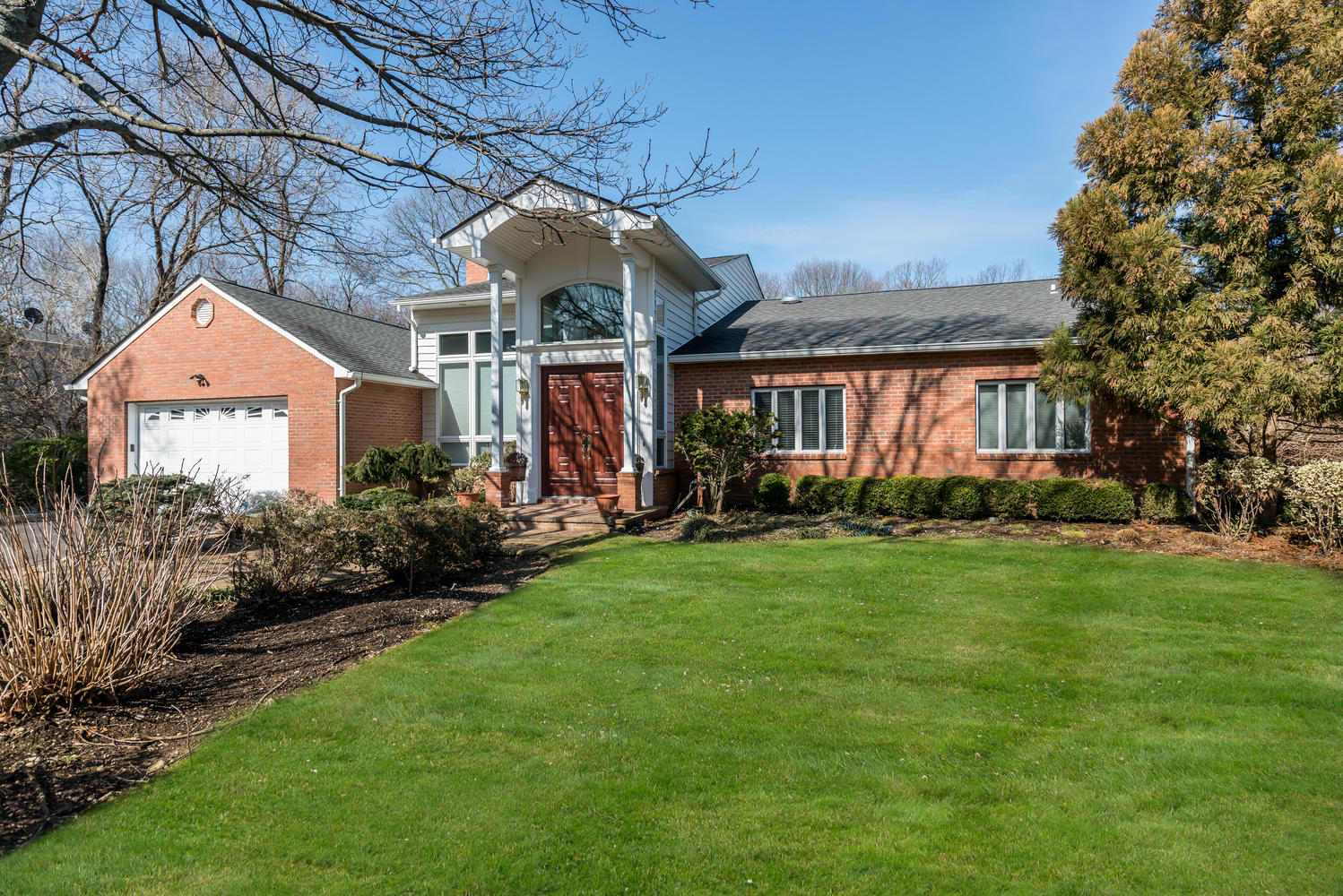 Single Family Home for Sale at Exp Ranch 359 Cold Spring Rd Syosset, New York, 11791 United States