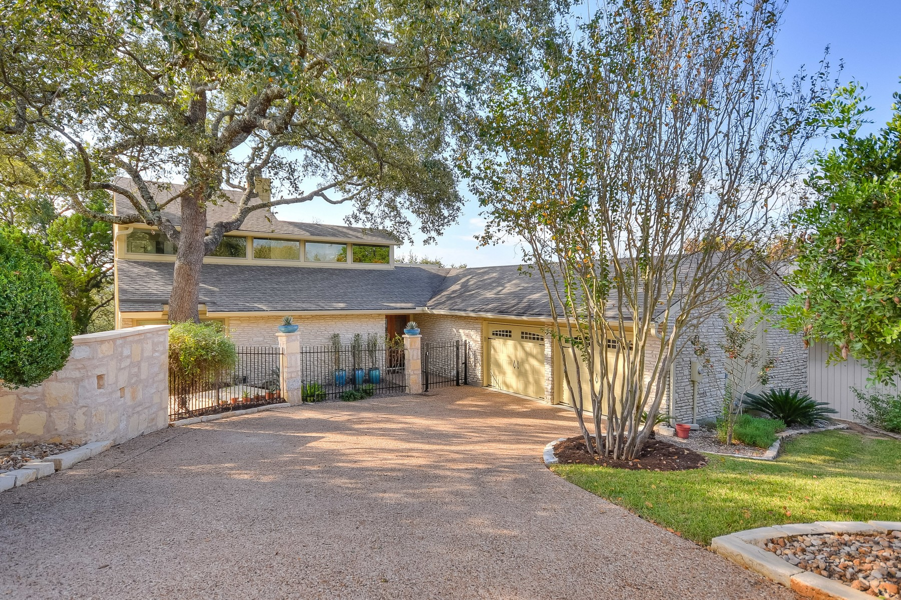 Single Family Home for Sale at Secluded Enclave in the Heart of NW Hills 4421 Stony Meadow Austin, Texas, 78731 United States