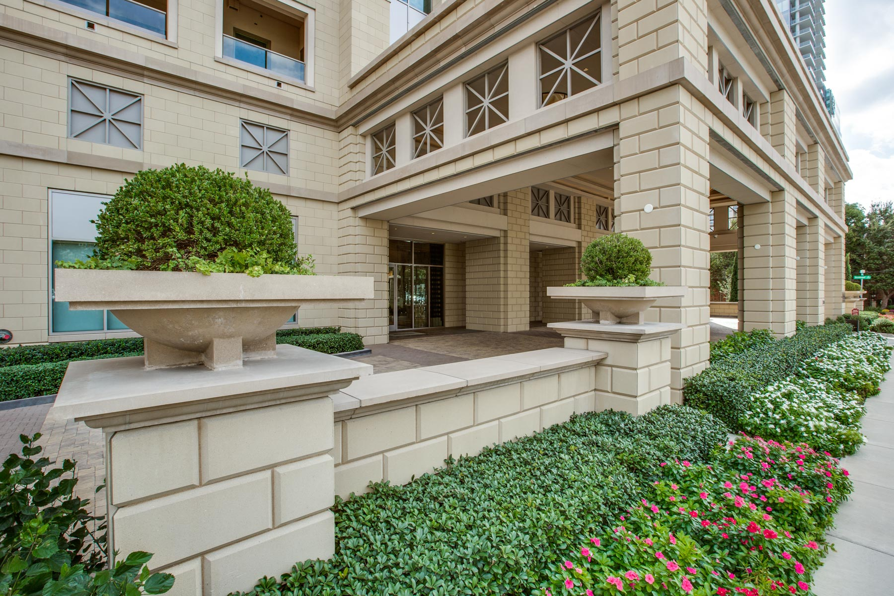 sales property at 2300 Wolf Street 11D, Dallas