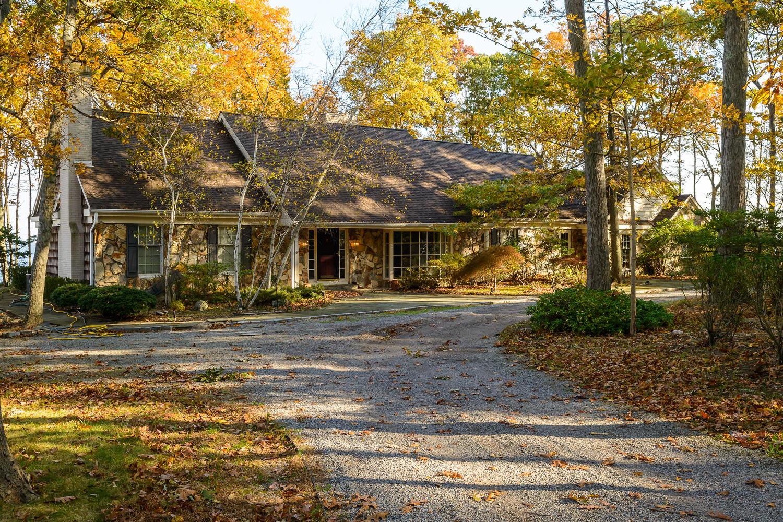 Nhà ở một gia đình vì Bán tại Farm Ranch 17 Beach Dr Lloyd Neck, New York 11743 Hoa Kỳ
