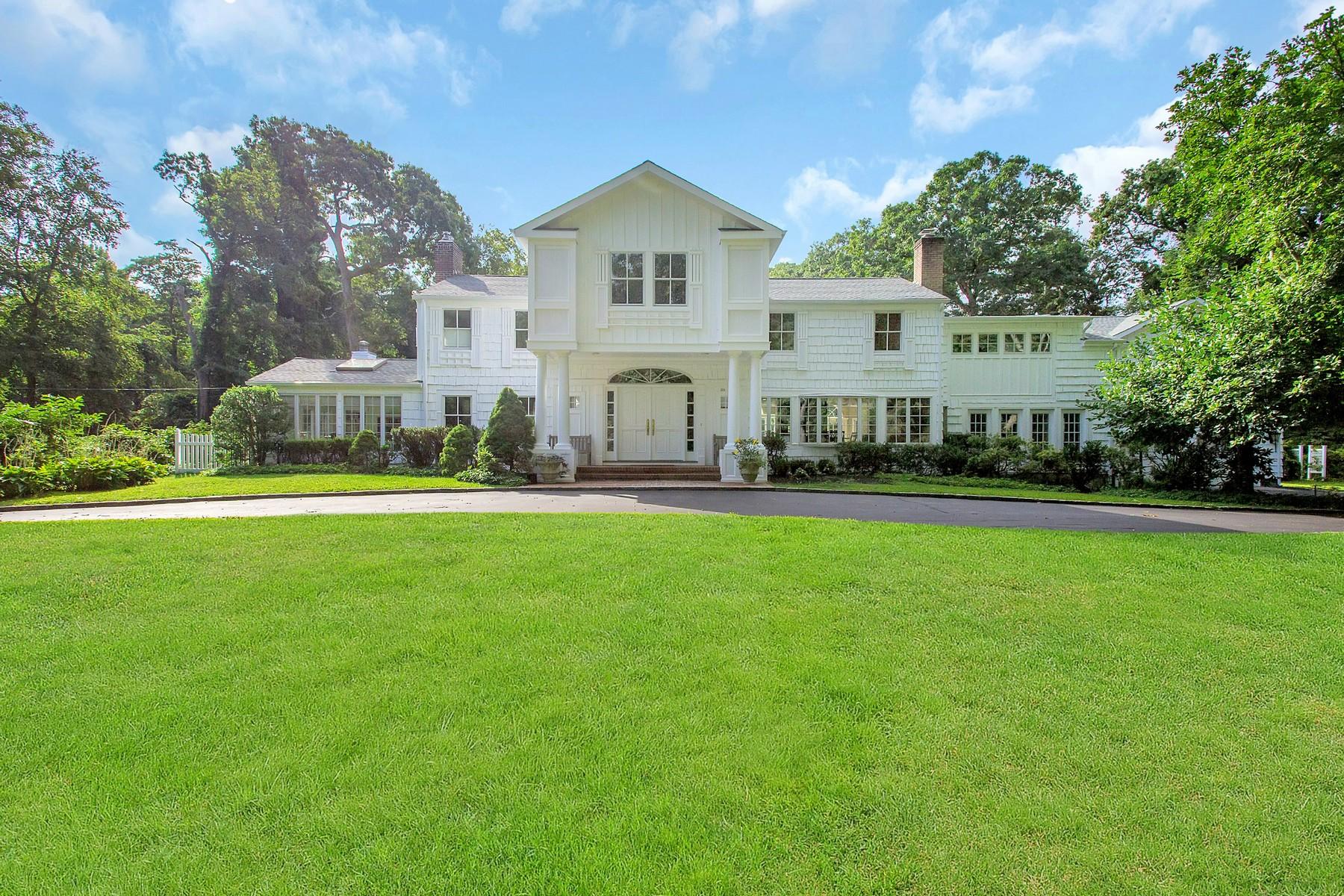 Nhà ở một gia đình vì Bán tại Colonial 24 Tappentown Rd Brookville, New York, 11545 Hoa Kỳ