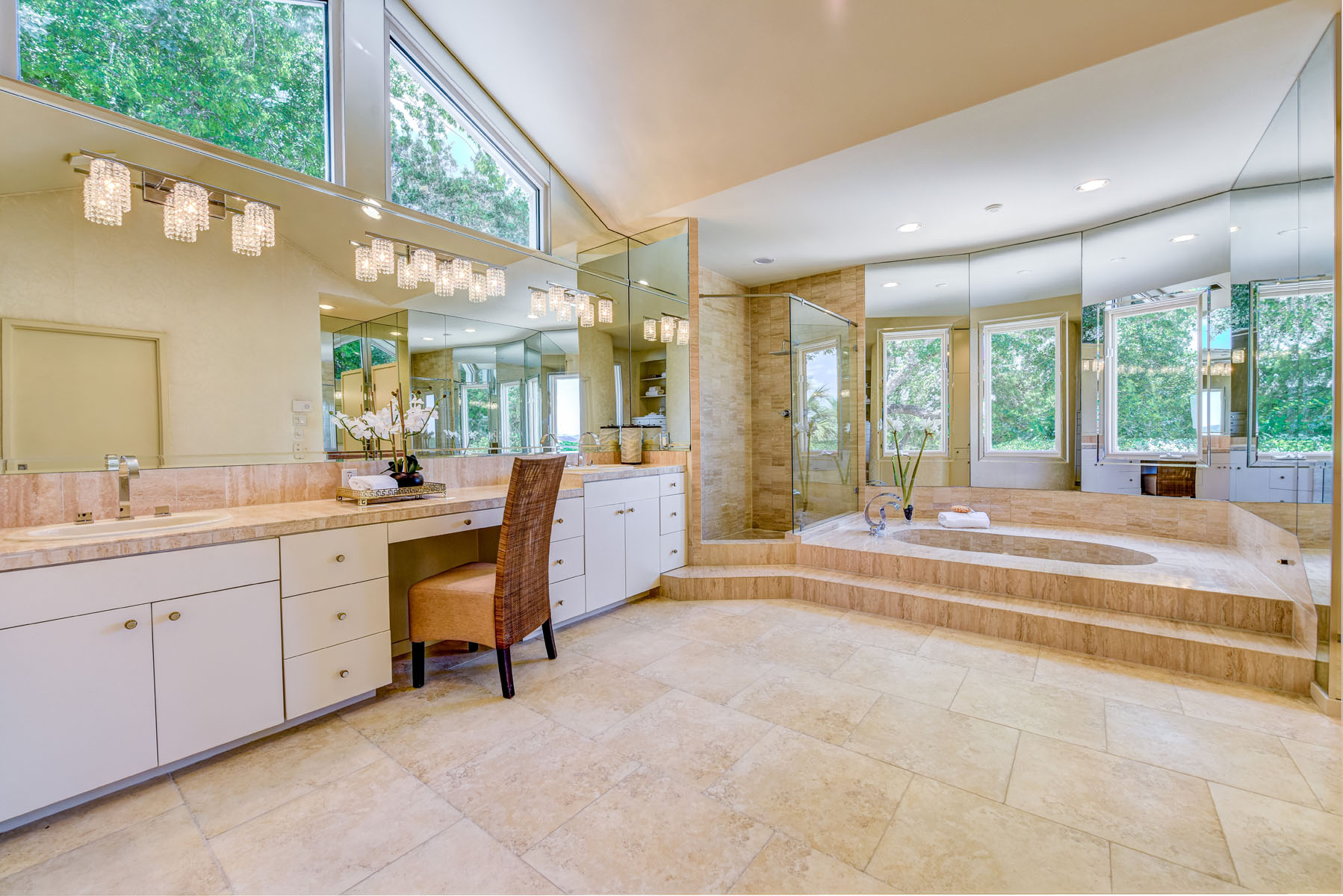 Additional photo for property listing at The Crown Jewel of Barton Creek 3304 Barton Creek Blvd Austin, Texas 78735 Estados Unidos