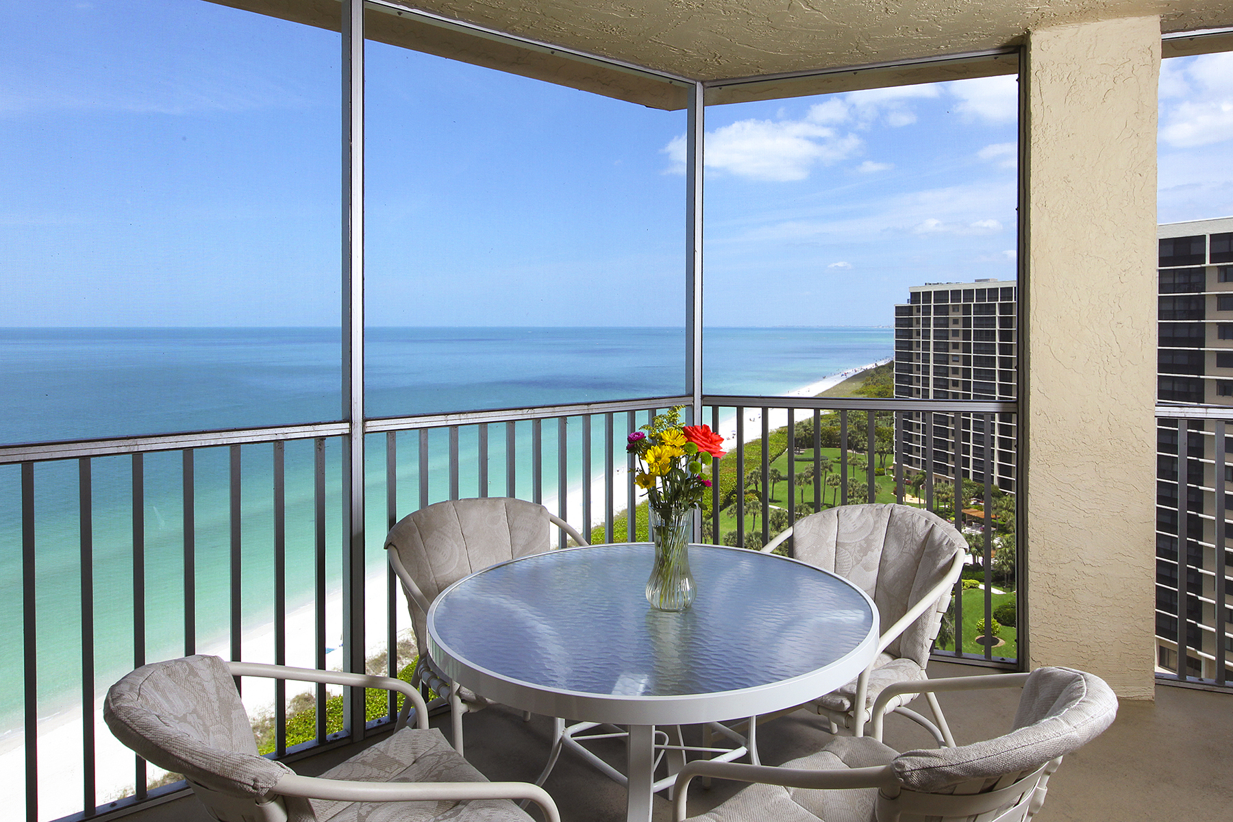 Eigentumswohnung für Verkauf beim VANDERBILT BEACH - VANDERBILT SHORES 10701 Gulf Shore Dr 1502 Naples, Florida 34108 Vereinigte Staaten