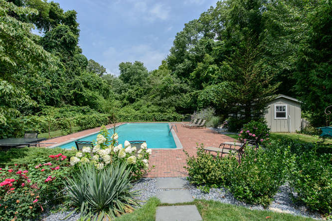 Single Family Home for Sale at Ranch 70 Centerport Rd Greenlawn, New York, 11740 United States