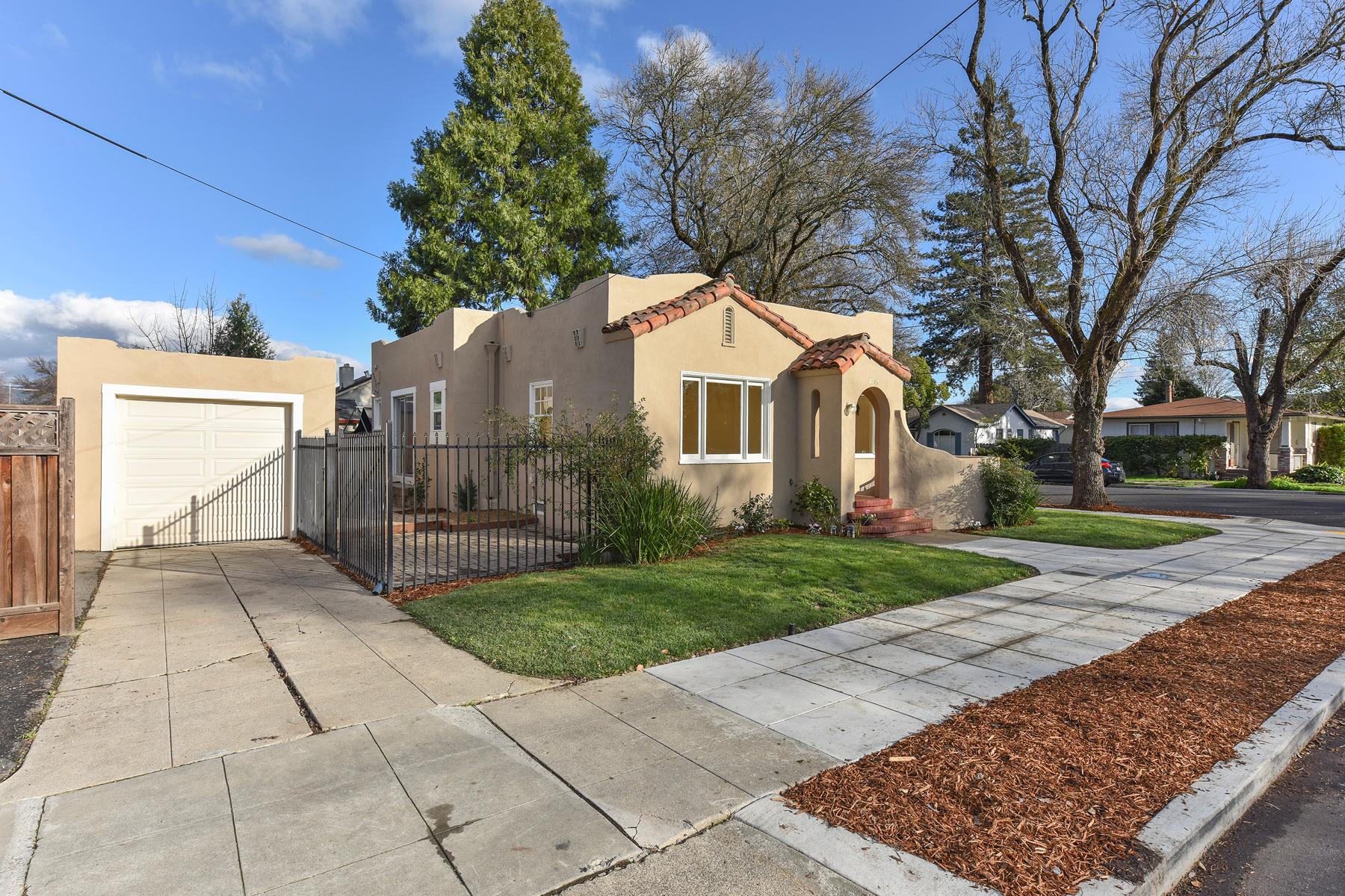 Casa Unifamiliar por un Venta en 2204 Spencer St, Napa, CA 94559 2204 Spencer St Napa, California 94559 Estados Unidos