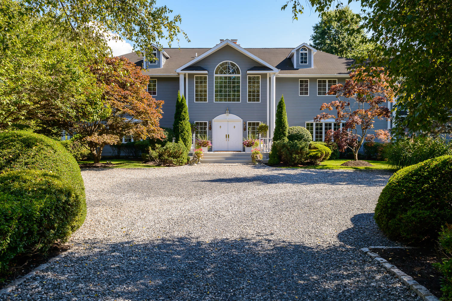 Villa per Vendita alle ore Colonial 25 School Ln Lloyd Harbor, New York, 11743 Stati Uniti