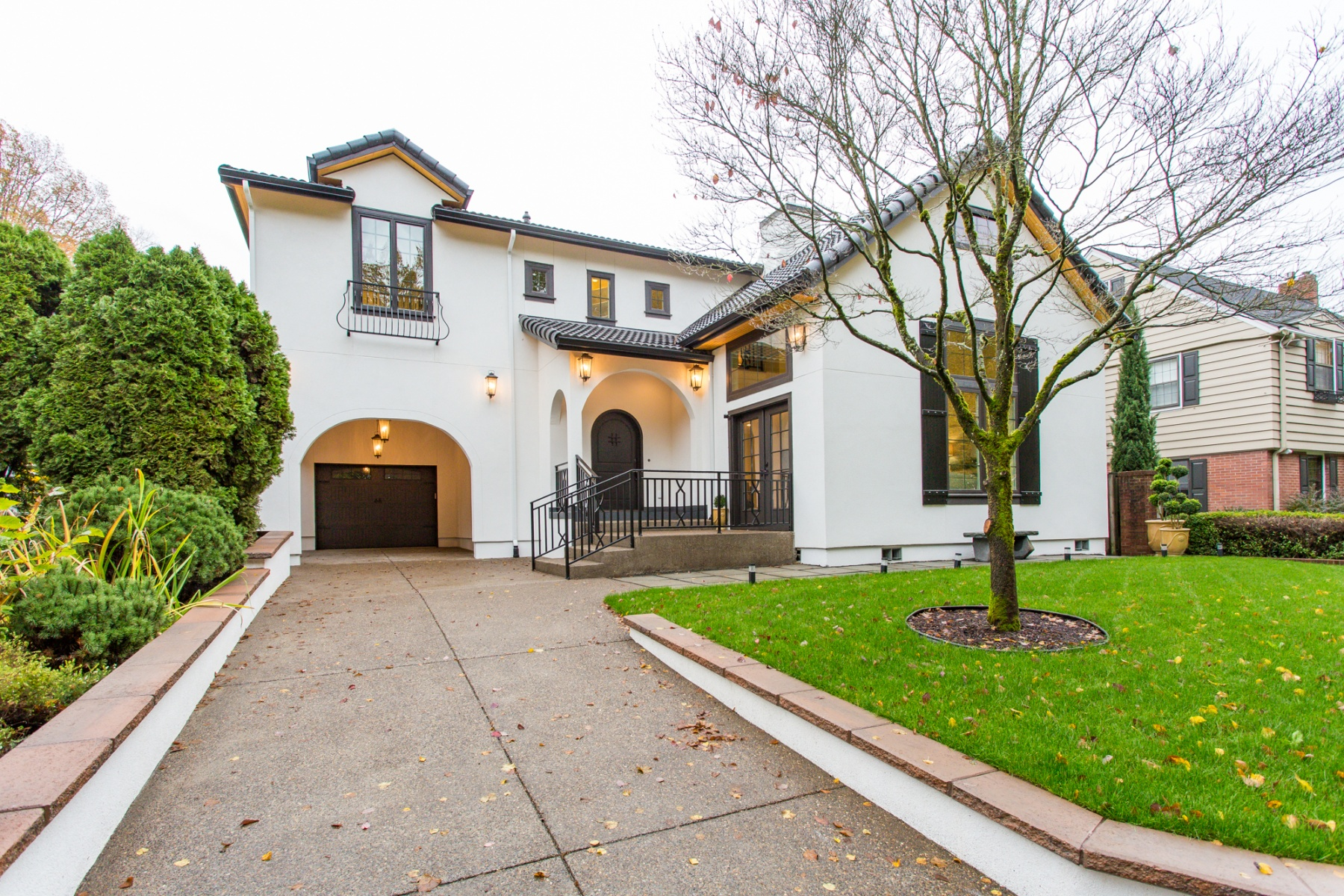 Nhà ở một gia đình vì Bán tại Brand New Build on Iconic Reed College Pl! 7110 SE REED COLLEGE Pl Portland, Oregon, 97202 Hoa Kỳ