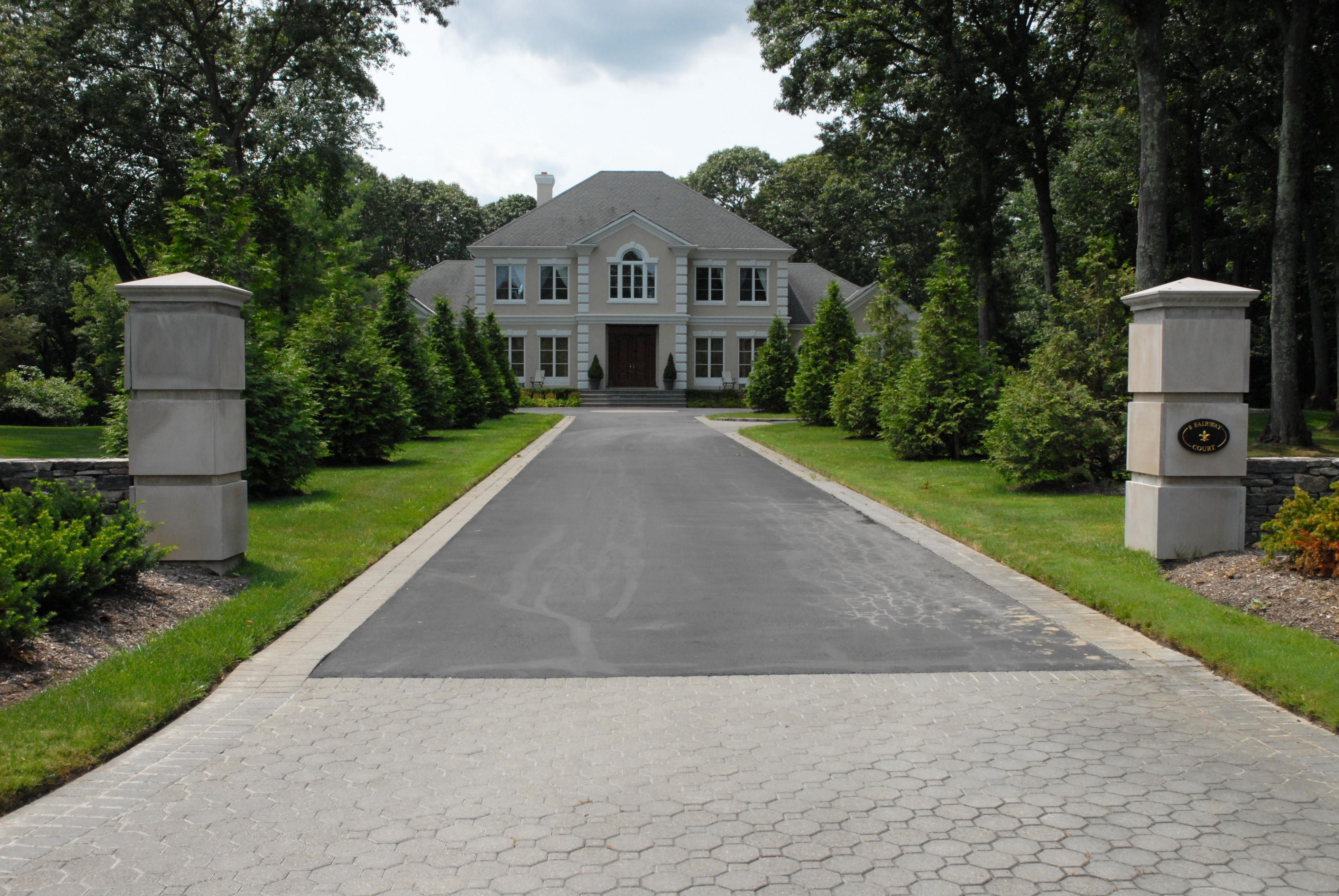 Casa para uma família para Venda às Colonial 8 Fairway Ct Upper Brookville, Nova York 11771 Estados Unidos