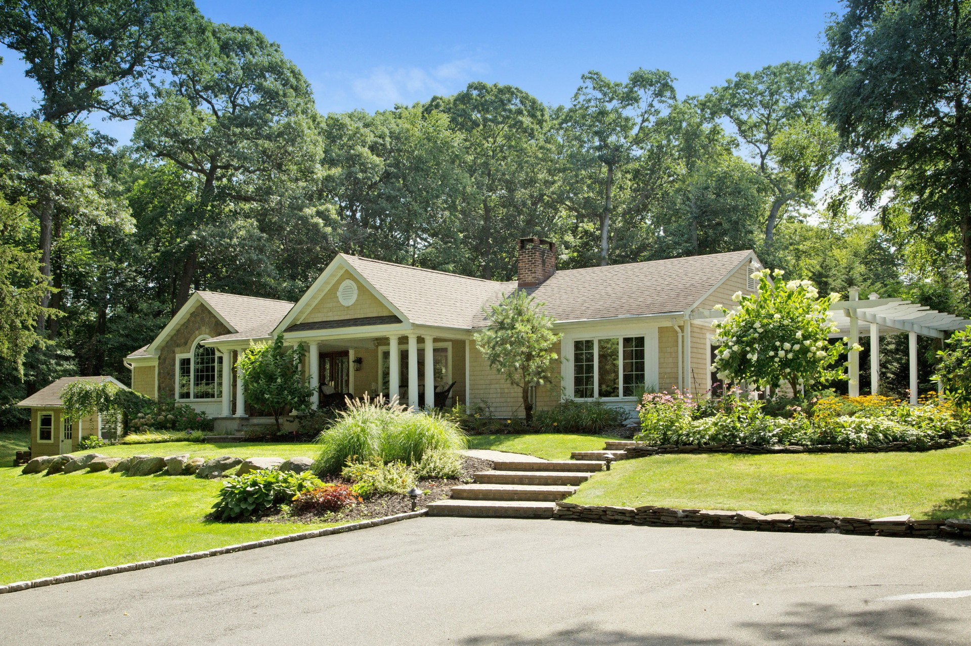 Single Family Home for Sale at Exp Ranch 27 Crosby Pl Cold Spring Harbor, New York, 11724 United States
