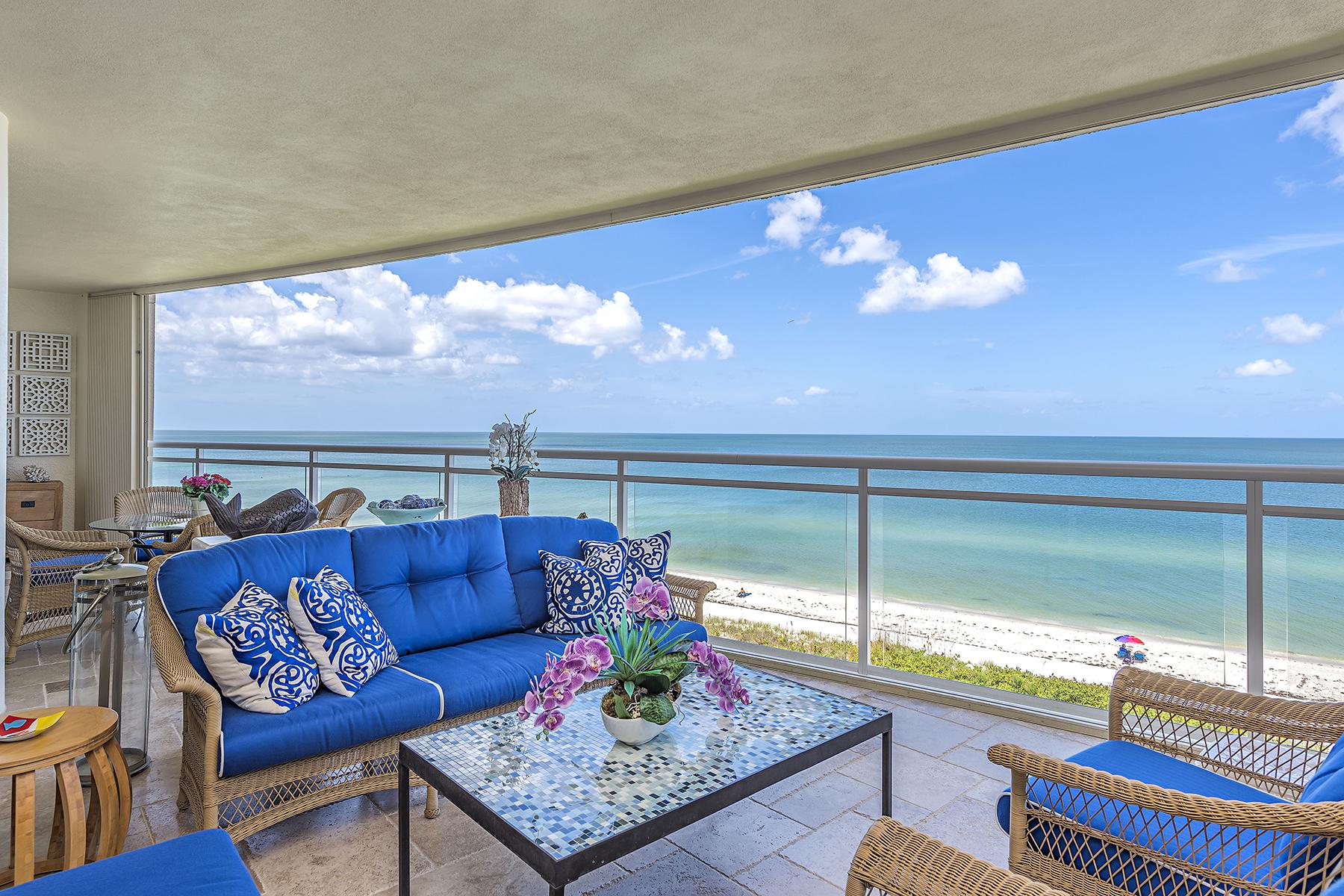 共管式独立产权公寓 为 销售 在 VANDERBILT BEACH - MORAYA BAY 11125 Gulf Shore Dr 504 那不勒斯, 佛罗里达州, 34108 美国