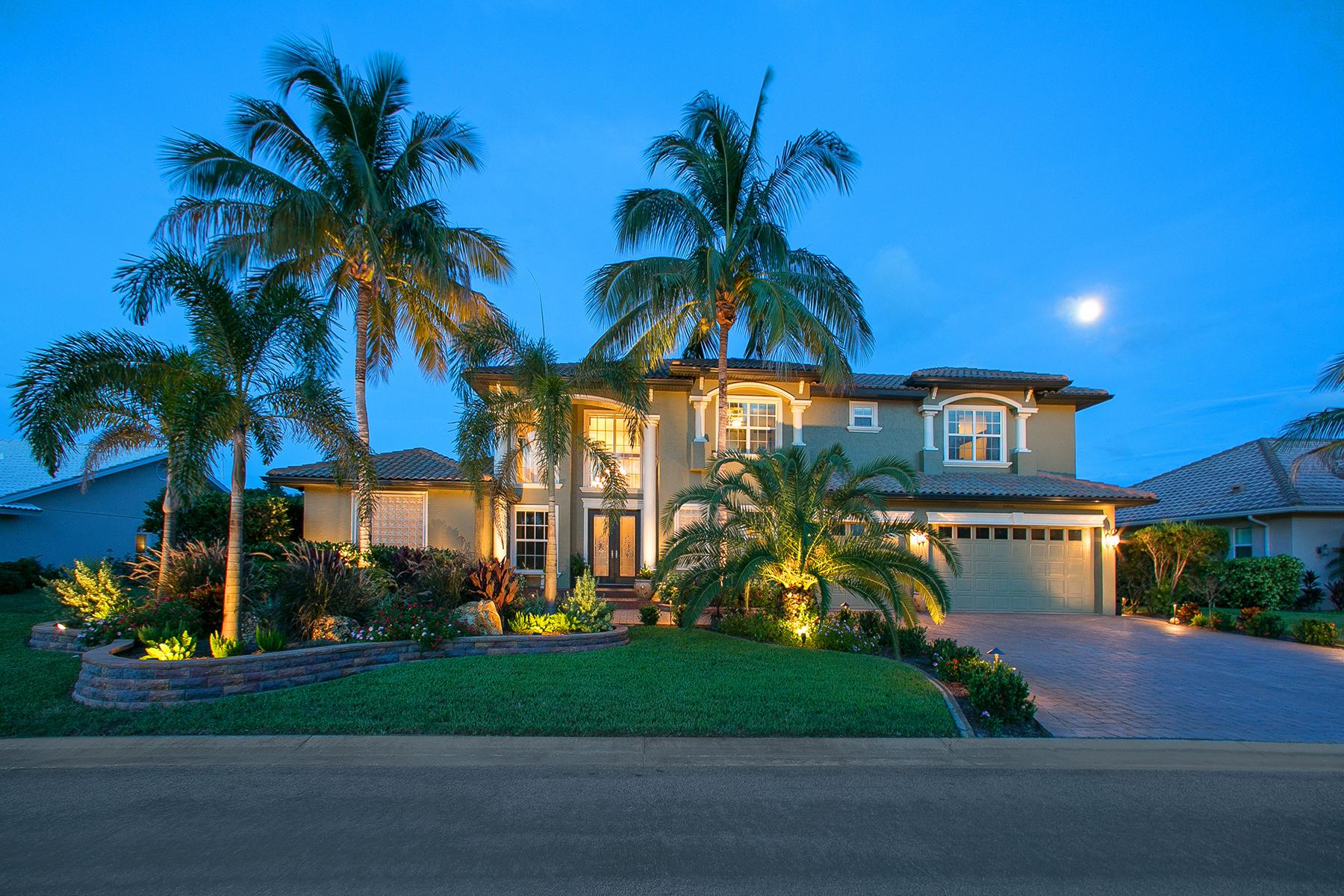 Nhà ở một gia đình vì Bán tại ENGLEWOOD ISLES 363 Ardenwood Dr Englewood, Florida, 34223 Hoa Kỳ