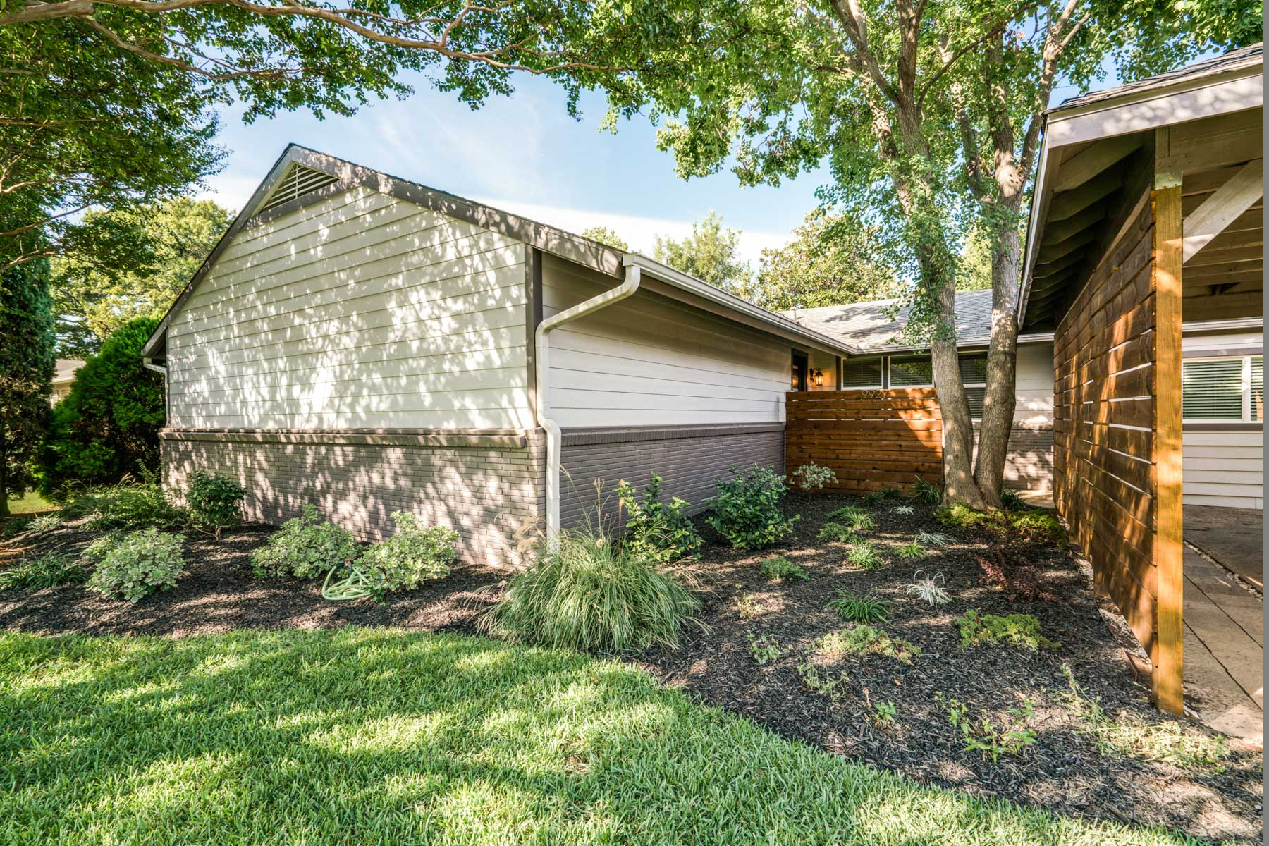 Casa para uma família para Venda às 9927 Lenel Place, Dallas Dallas, Texas, 75220 Estados Unidos