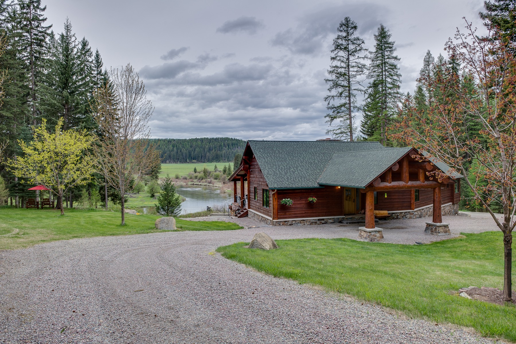 Villa per Vendita alle ore 4747 Highway 93 West 4747 Highway 93 W Whitefish, Montana, 59937 Stati Uniti