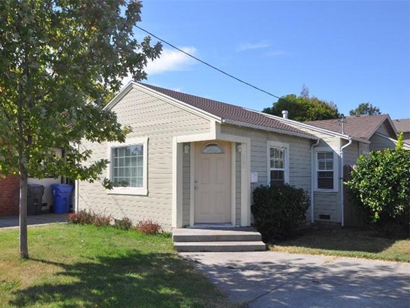 sales property at 850 Lincoln Ave, Napa, CA 94558