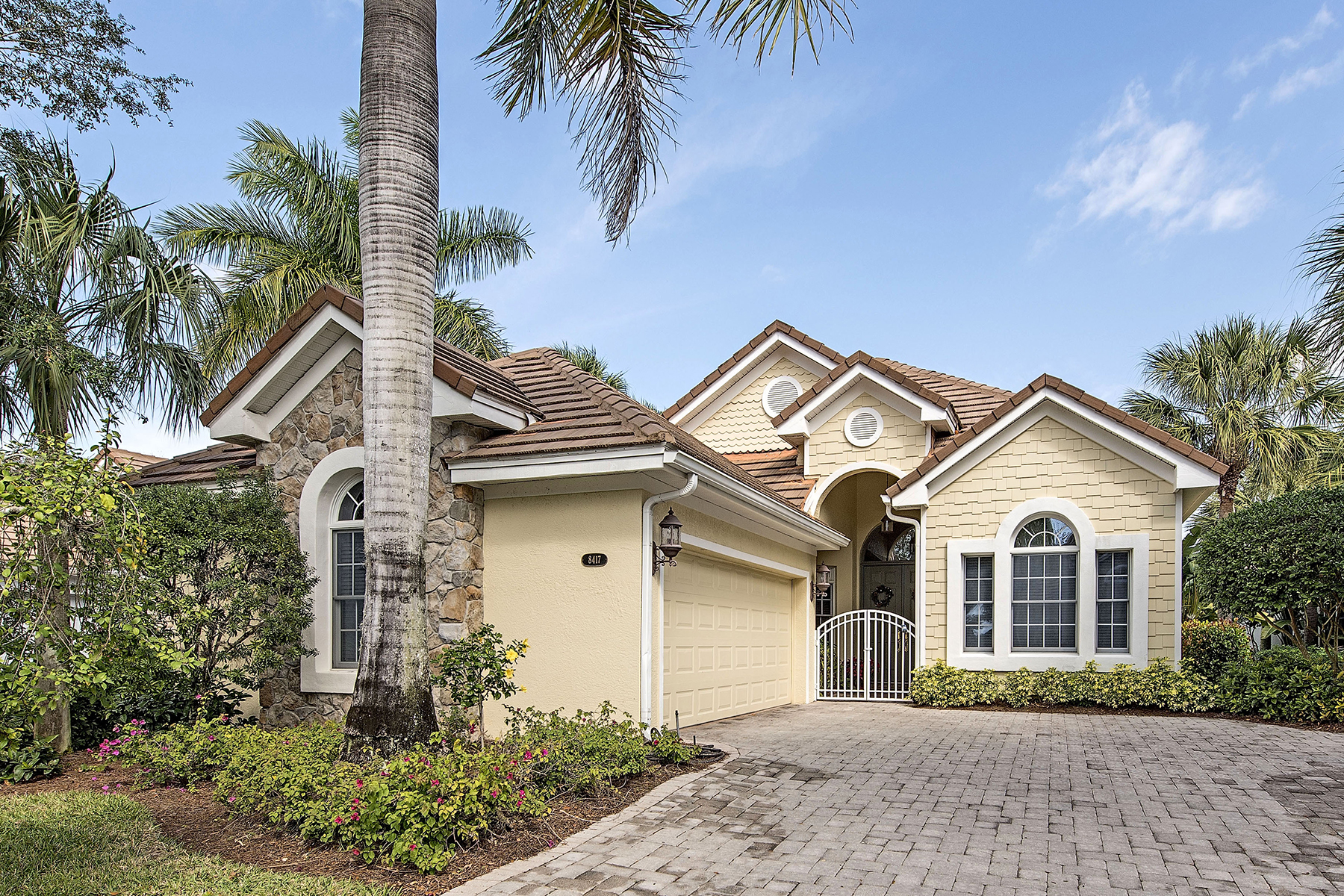 Maison unifamiliale pour l Vente à FIDDLER'S CREEK - MALLARDS LANDING 8417 Mallards Way Naples, Florida, 34114 États-Unis