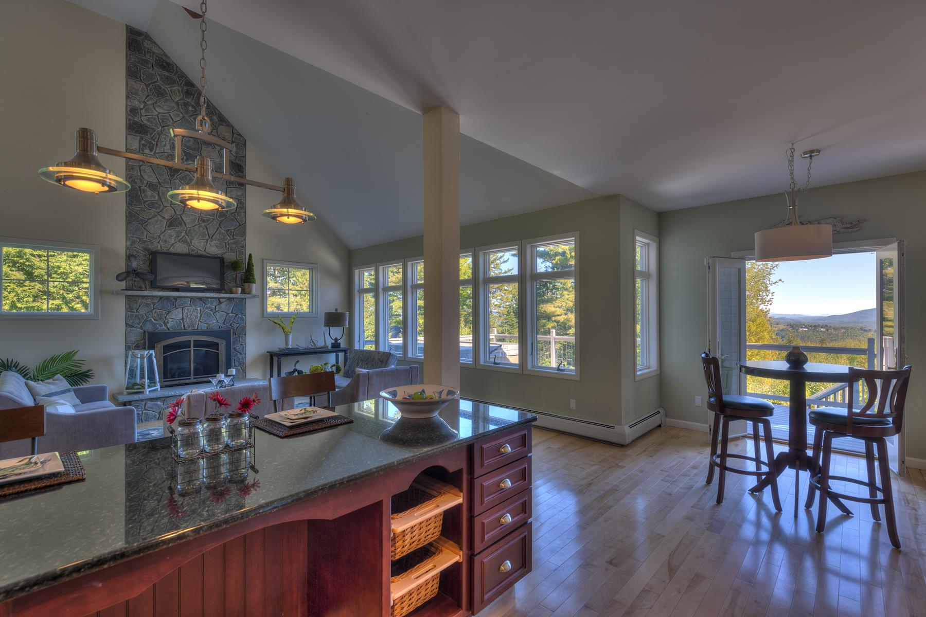 Maison unifamiliale pour l Vente à 87 Summit Road, Sutton 87 Summit Road Rd Sutton, New Hampshire, 03260 États-Unis