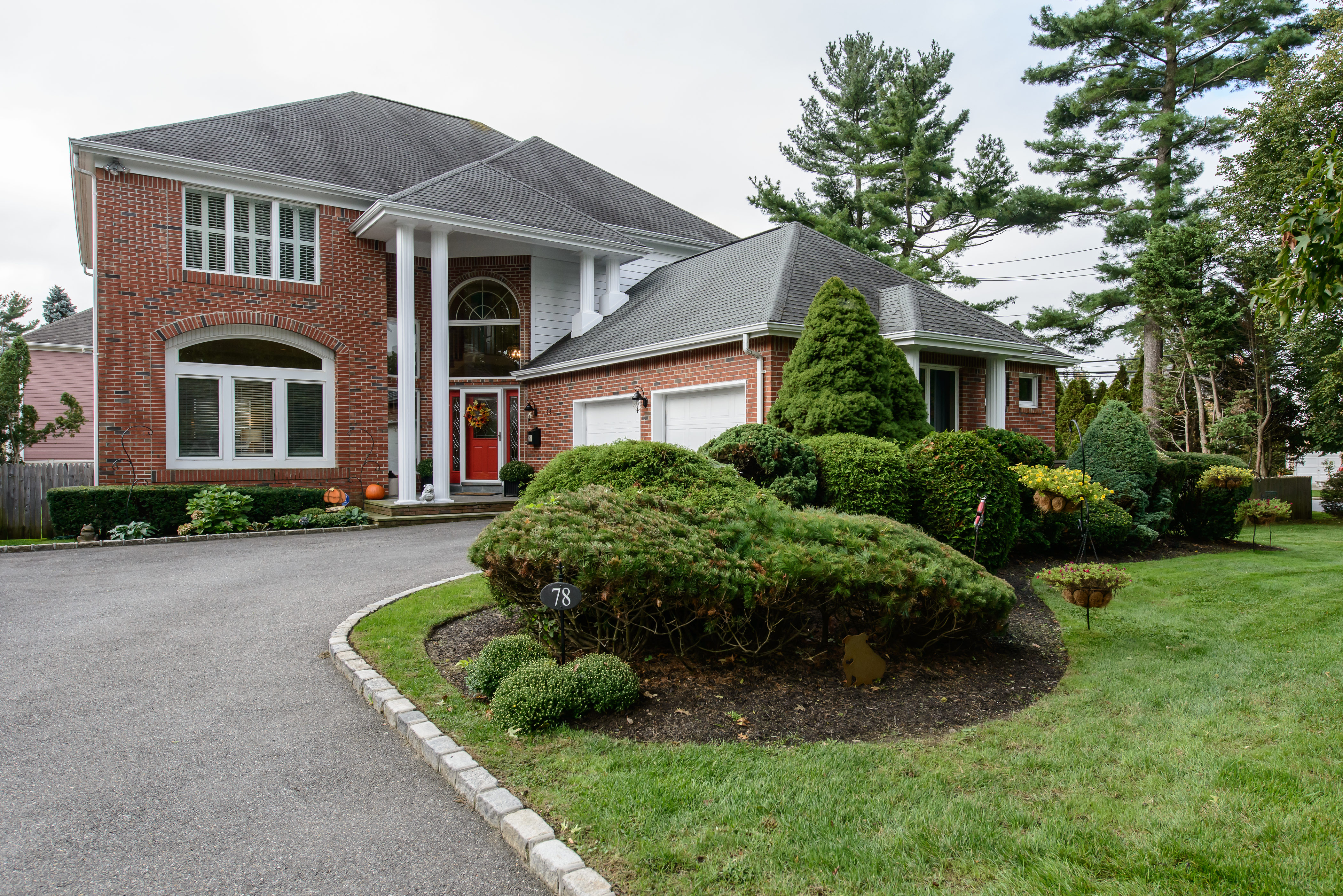 Property For Sale at Colonial