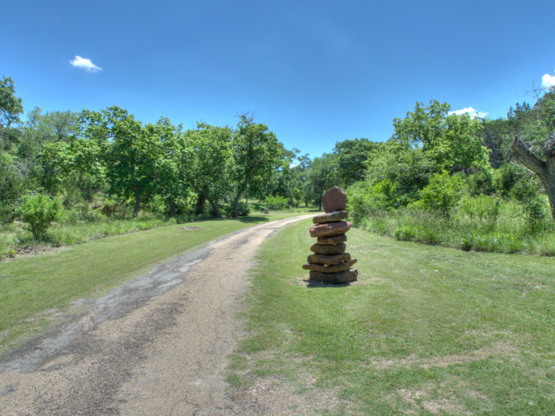 Additional photo for property listing at Refined Hill Country Gentleman's Ranch 1144 Fall Creek Rd Kerrville, Texas 78028 Estados Unidos