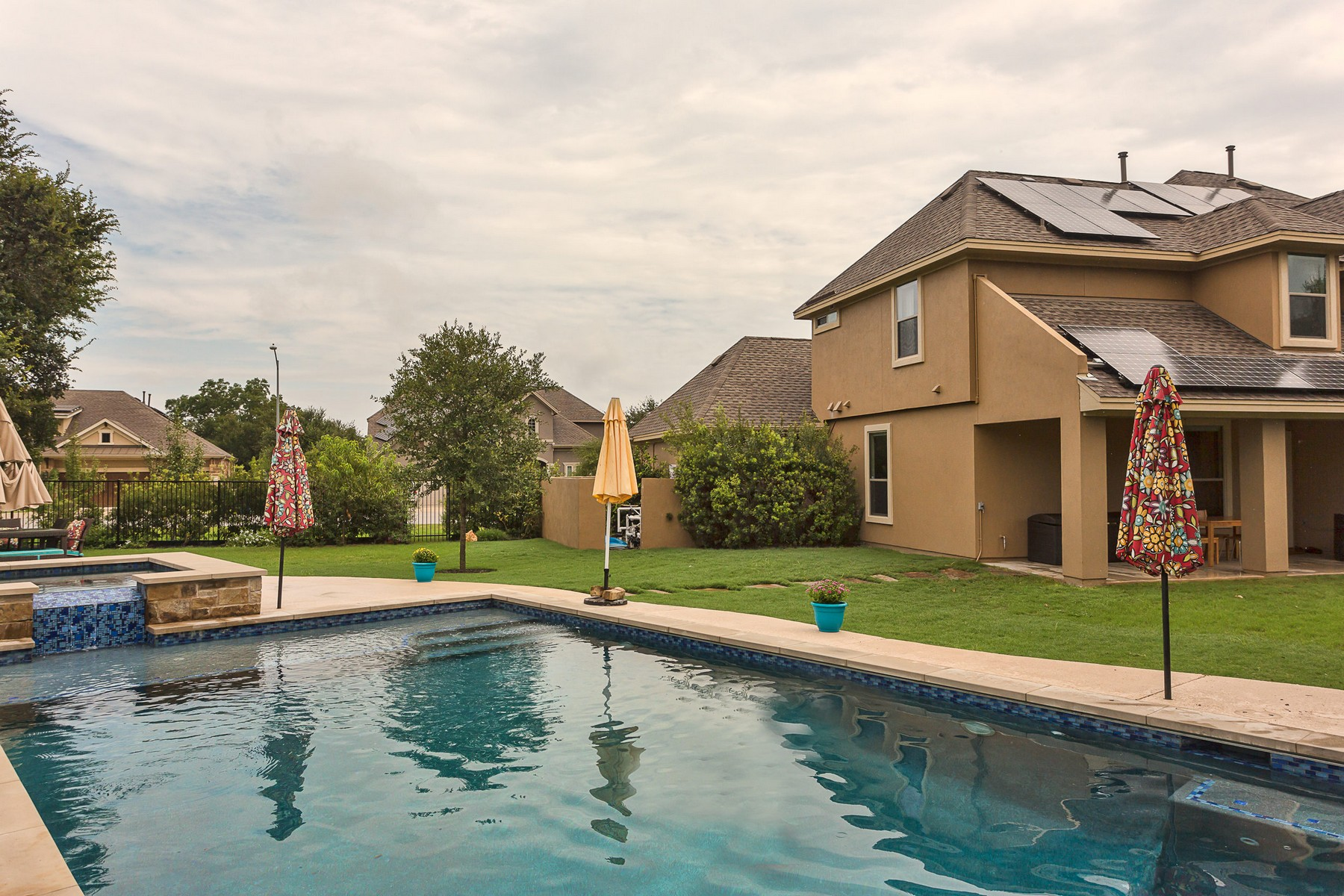 Additional photo for property listing at The Best of what Brodie Springs has to Offer! 10424 Antelope Run Austin, Texas 78748 Estados Unidos