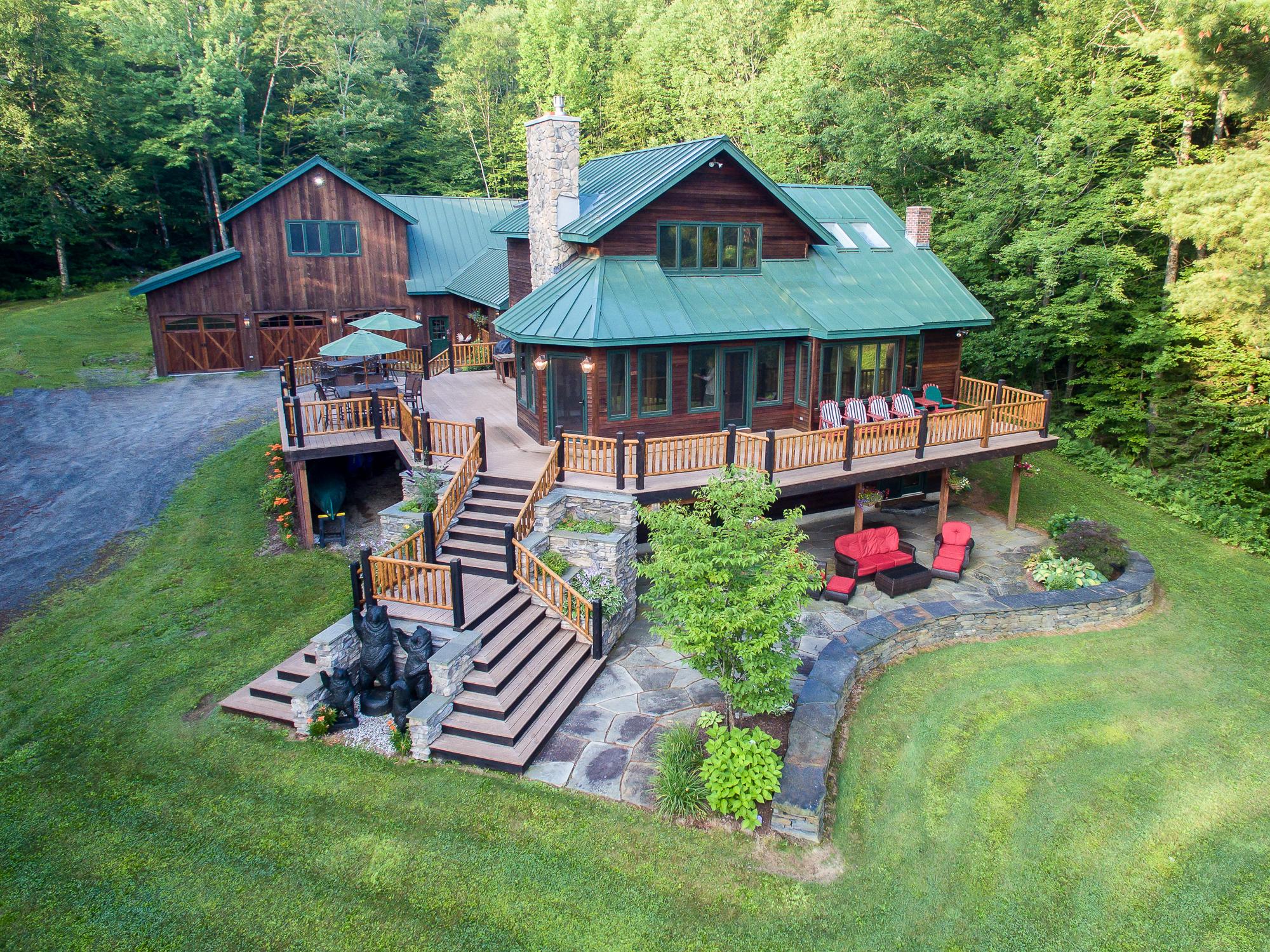 Vivienda unifamiliar por un Venta en Amazing Find 3703 E Popple Dungeon Rd Chester, Vermont, 05143 Estados Unidos