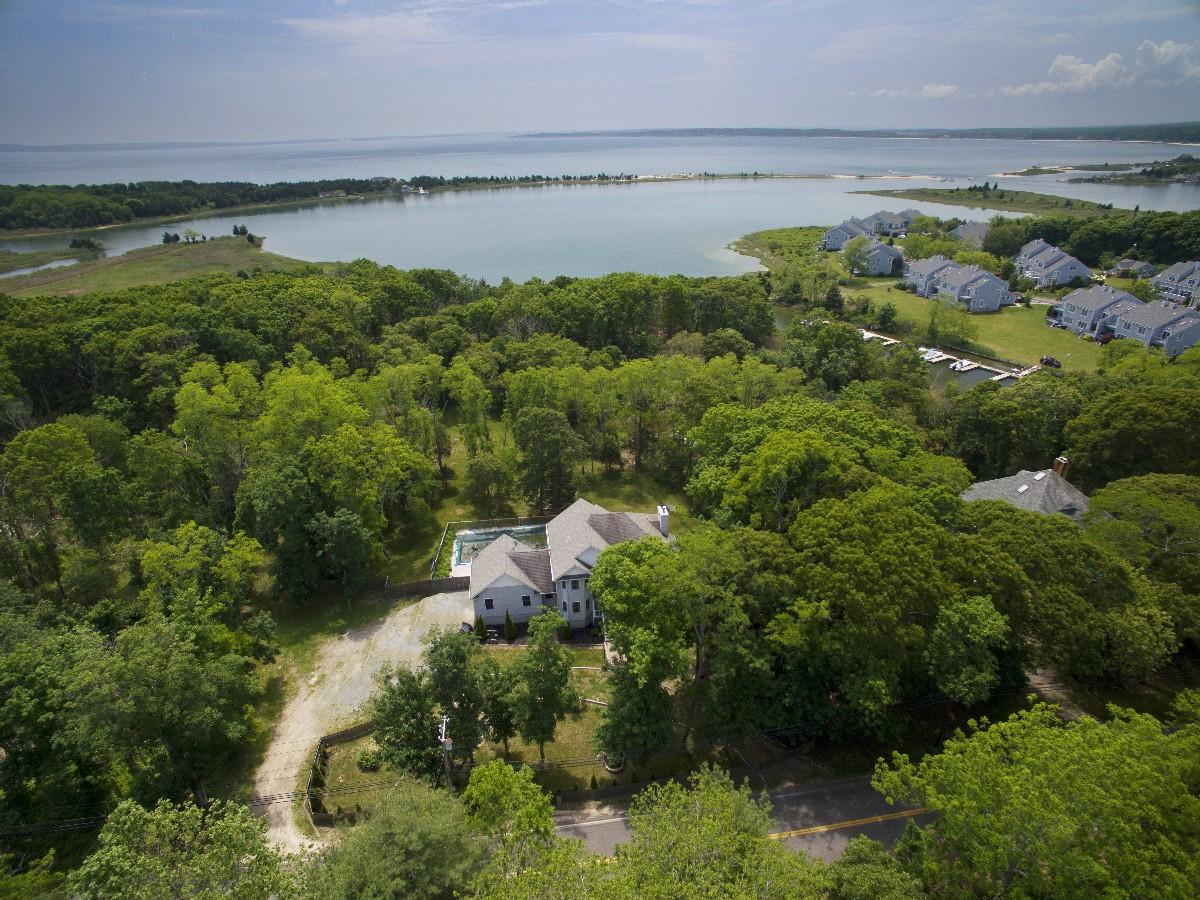 獨棟家庭住宅 為 出售 在 2 Story 8516 Main Bayview Rd Southold, 紐約州, 11971 美國