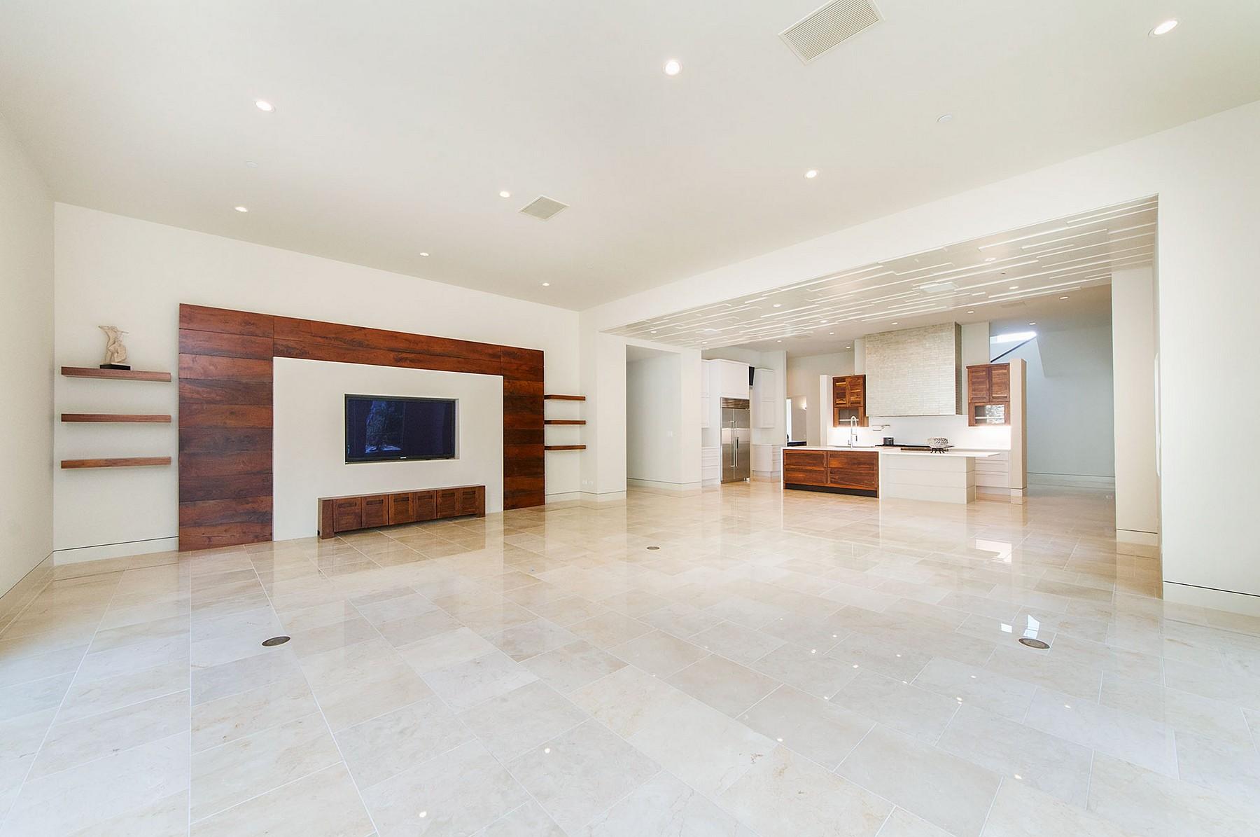 Villa per Vendita alle ore Custom New Build in Westlake 4806 Toreador Dr Austin, Texas 78746 Stati Uniti