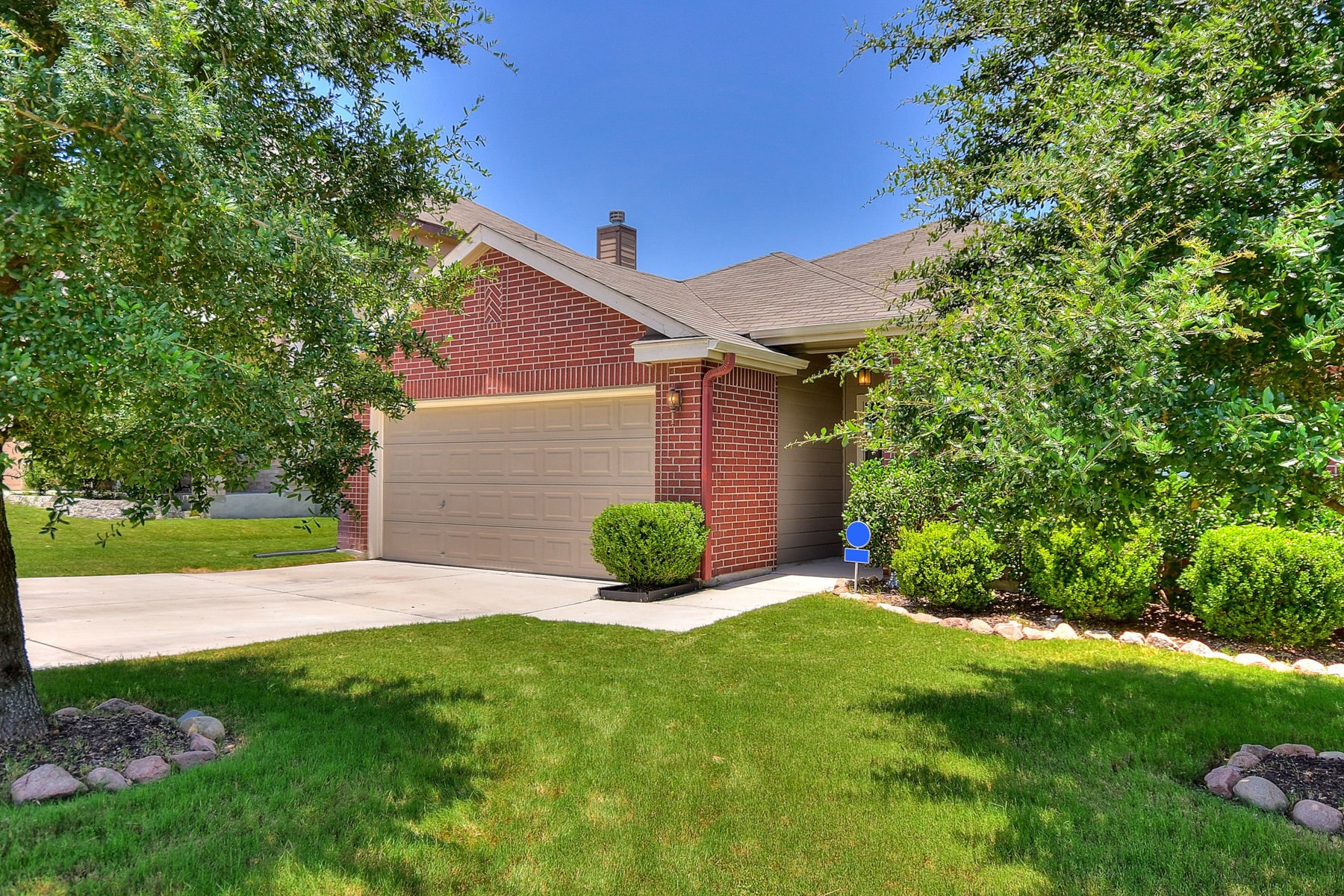 Additional photo for property listing at Beautiful One-Story Home in Cibolo Vista 108 Canyon Vis Cibolo, Texas 78108 United States