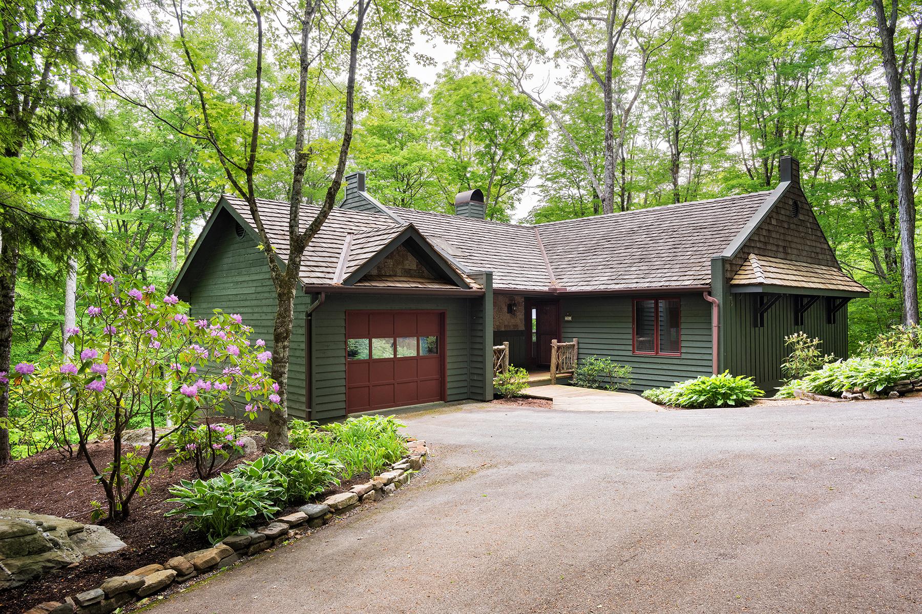 Casa Unifamiliar por un Venta en LINVILLE - LINVILLE RIDGE 201 Vista Way Linville, Carolina Del Norte, 28646 Estados Unidos