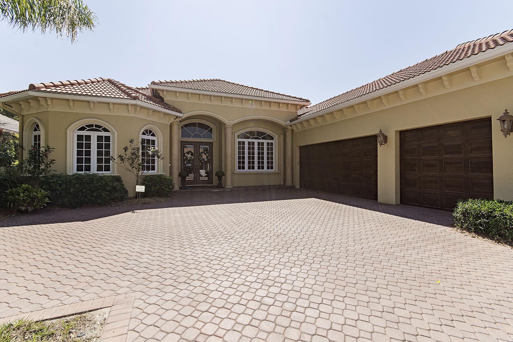 Casa Unifamiliar por un Venta en THE STRAND 5939 Barclay Ln Naples, Florida 34110 Estados Unidos
