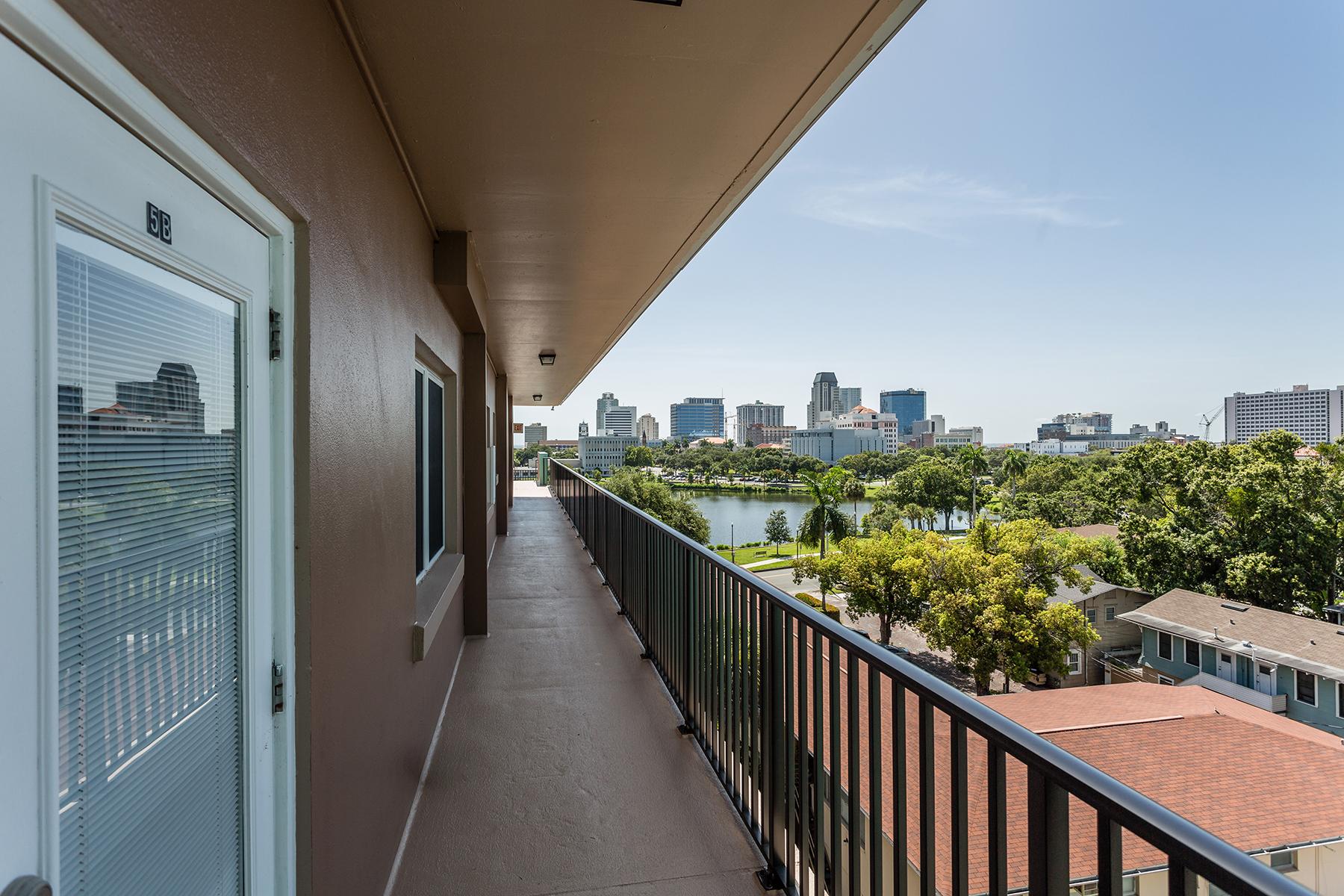 Apartamento por un Venta en DOWNTOWN ST PETE 750 Burlington Ave N 5B St. Petersburg, Florida, 33701 Estados Unidos