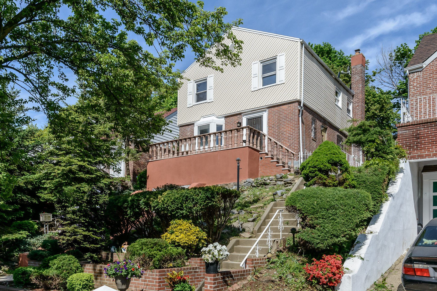 獨棟家庭住宅 為 出售 在 Colonial 209-55 Whitehall Ter Queens Village, 紐約州, 11427 美國