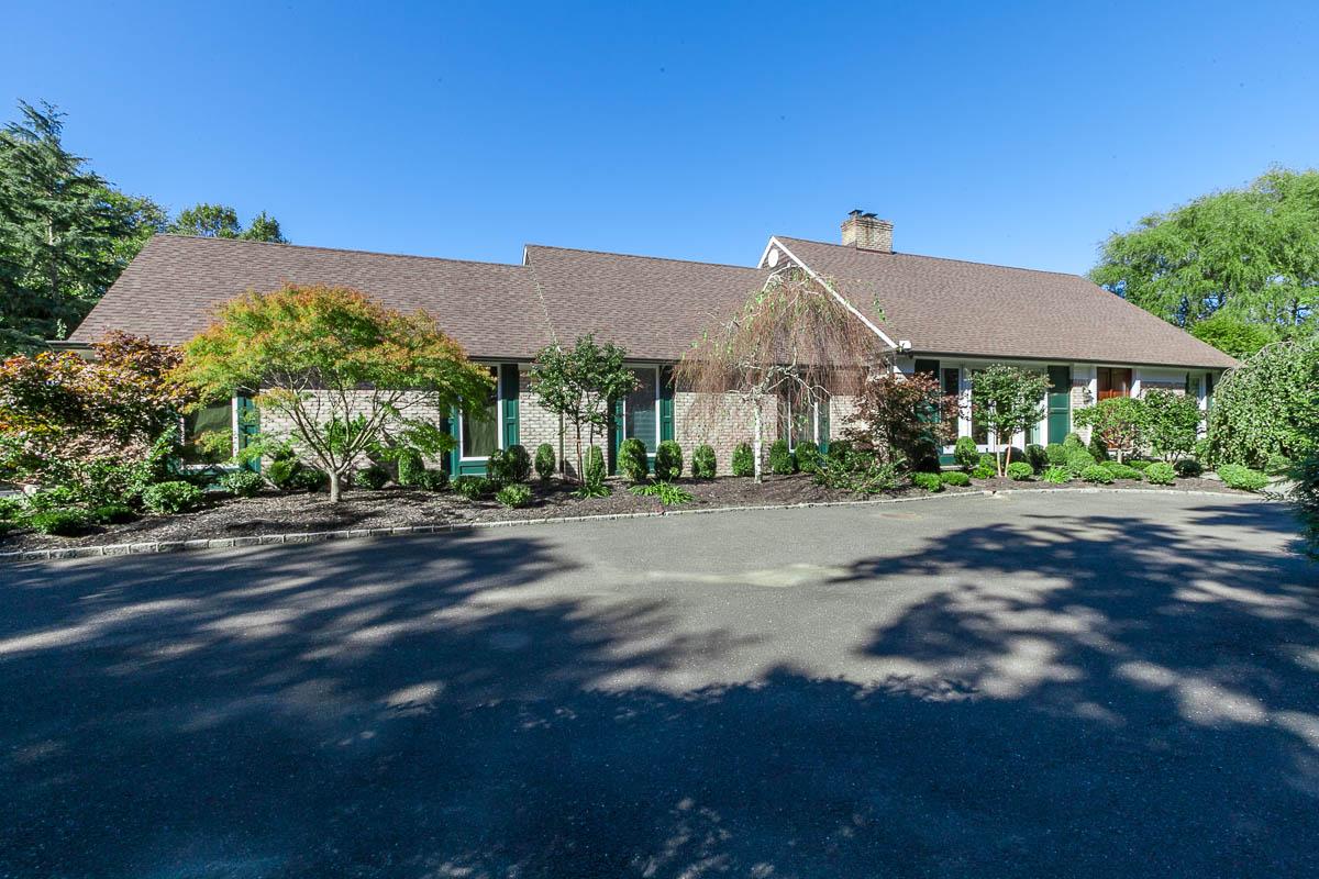 Maison unifamiliale pour l Vente à Farm Ranch 4 Bluff Nissequogue, New York 11780 États-Unis