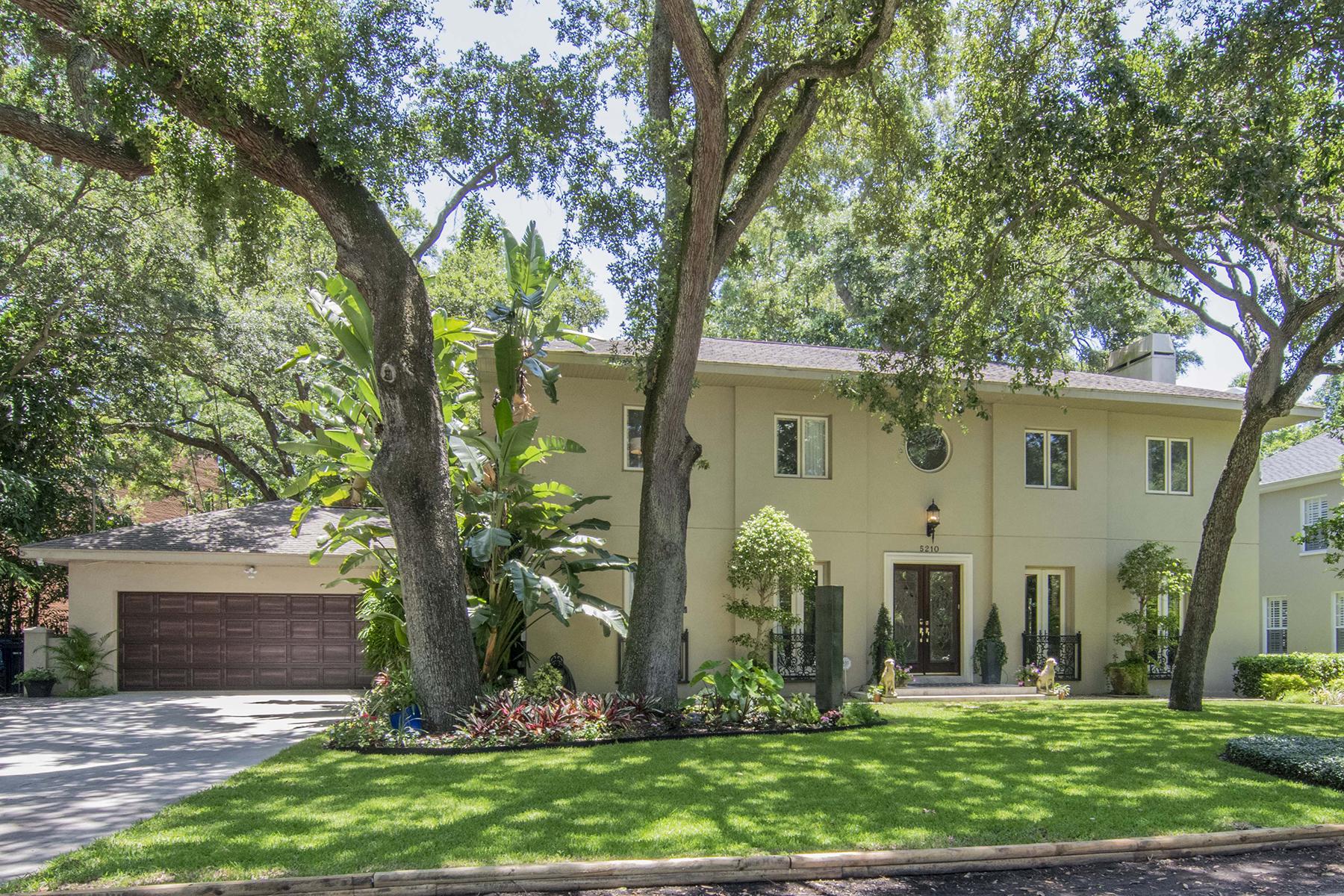 단독 가정 주택 용 매매 에 SOUTH TAMPA 5210 S Crescent Dr Tampa, 플로리다, 33611 미국