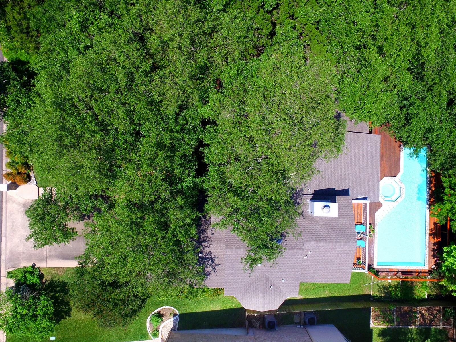 Additional photo for property listing at Tree Filled Lot 6009 Bon Terra Dr Austin, Texas 78731 United States