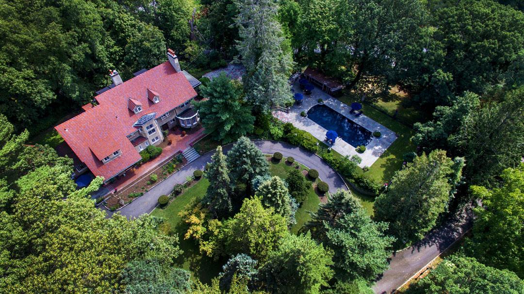 独户住宅 为 销售 在 Colonial 386 Littleworth Ln Sea Cliff, 纽约州 11579 美国