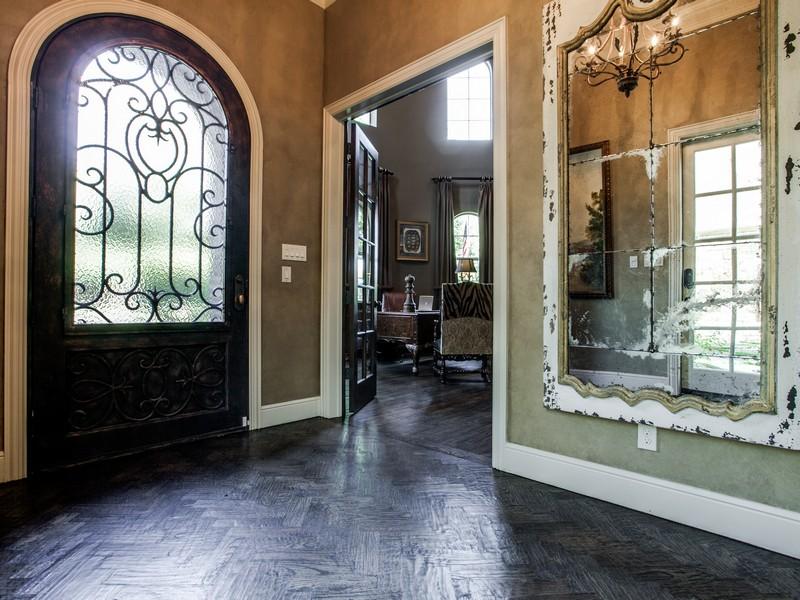 Nhà ở một gia đình vì Bán tại 220 Canyon Turn Trl, Austin Austin, Texas 78734 Hoa Kỳ