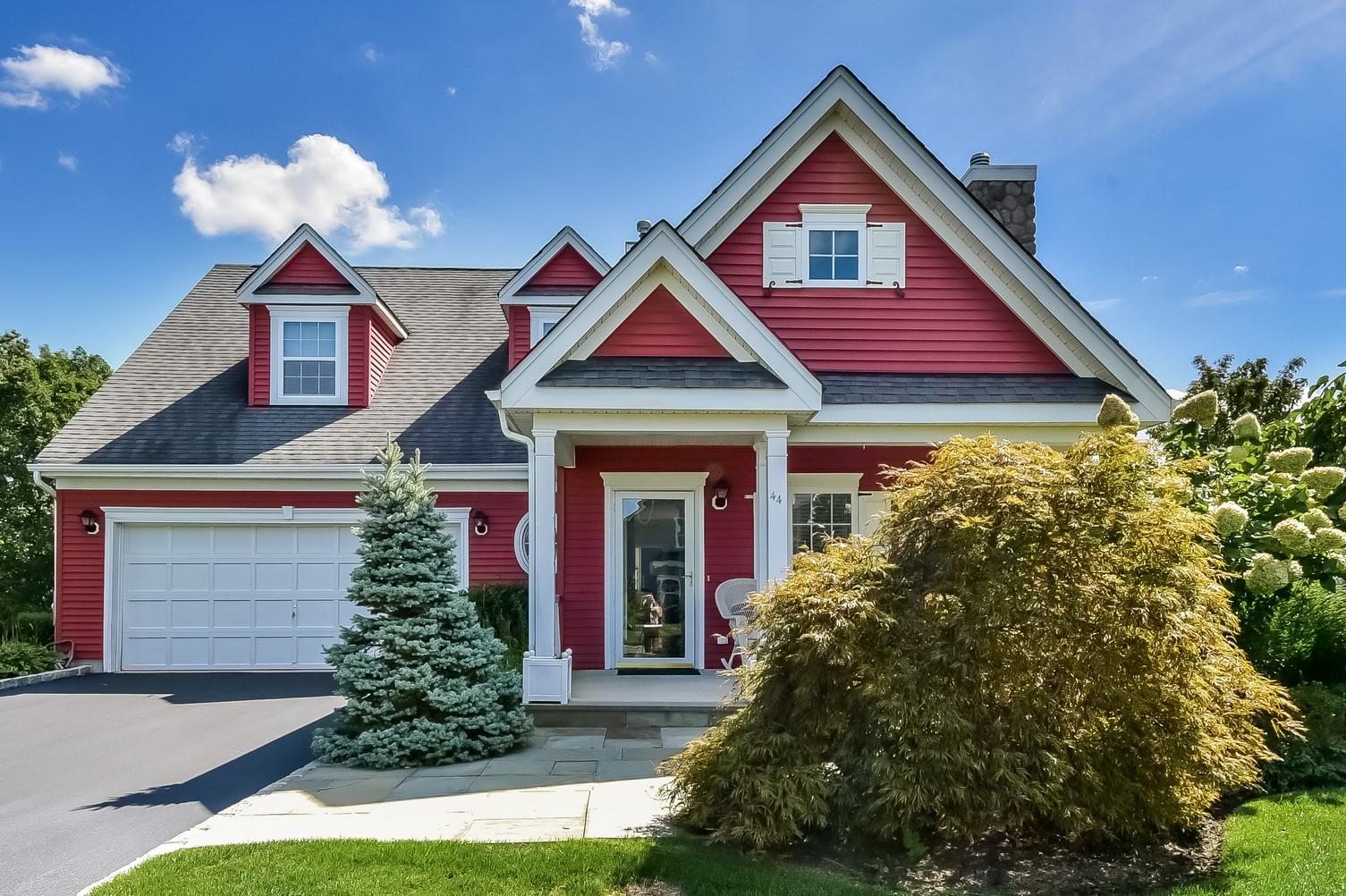 Eigentumswohnung für Verkauf beim Condo 44 Golden Spruce Dr Calverton, New York, 11933 Vereinigte Staaten