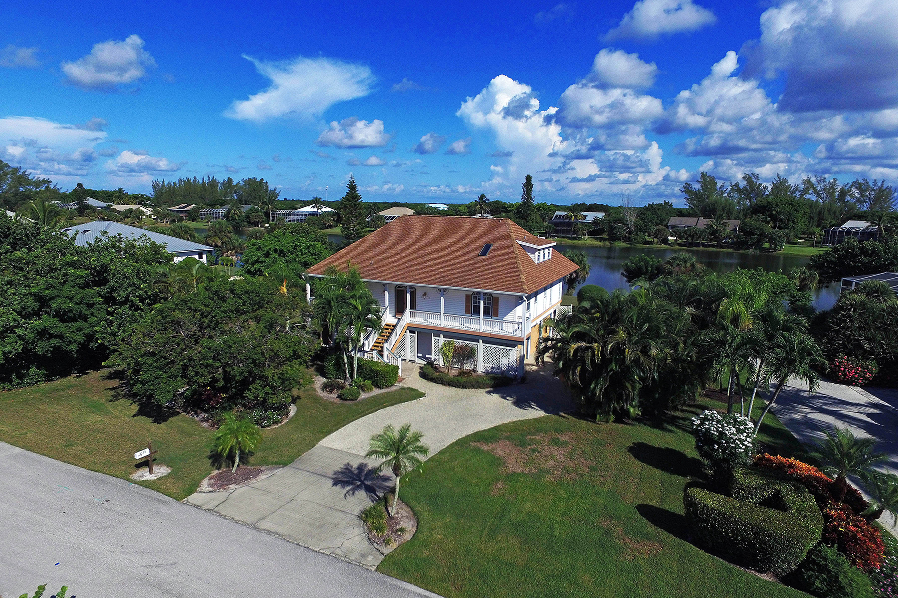 Maison unifamiliale pour l Vente à SANIBEL 3152 Twin Lakes Ln Sanibel, Florida, 33957 États-Unis