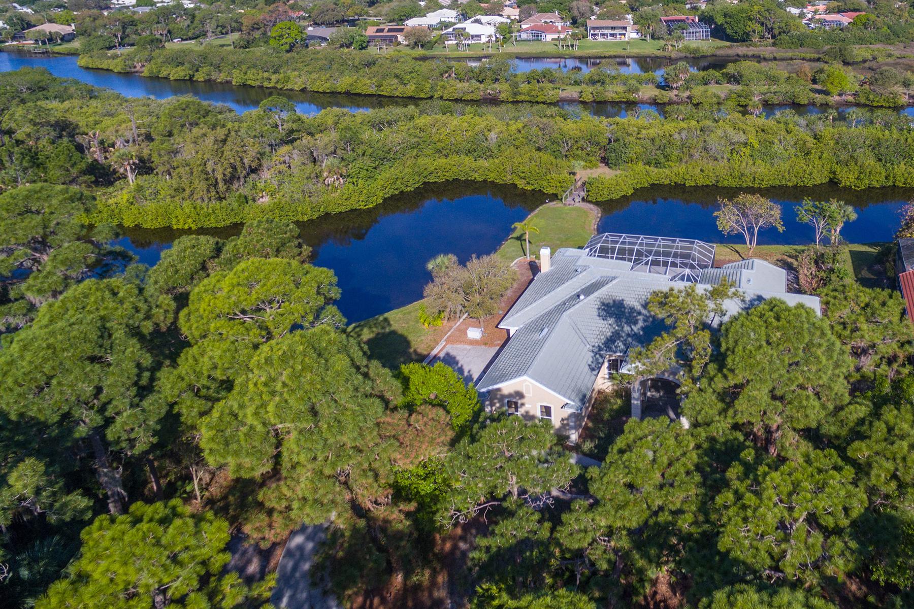Casa para uma família para Venda às LAUREL LANDINGS 1135 Kings Way Dr Nokomis, Florida 34275 Estados Unidos