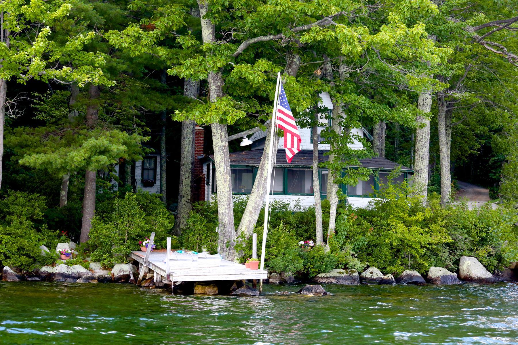 Частный односемейный дом для того Продажа на 97 Bay Point, Newbury 97 Bay Point Rd Newbury, Нью-Гэмпшир, 03255 Соединенные Штаты