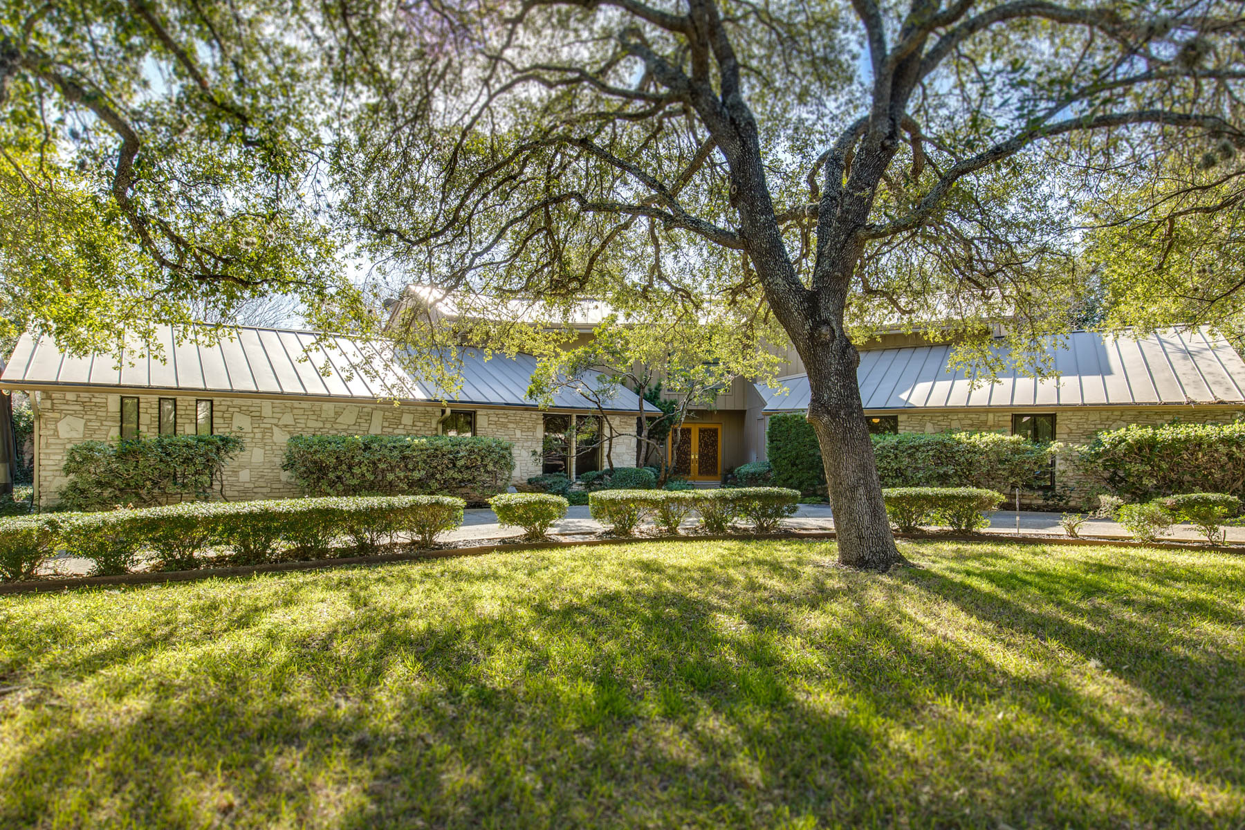 sales property at Beautiful Sprawling Home in Marymont