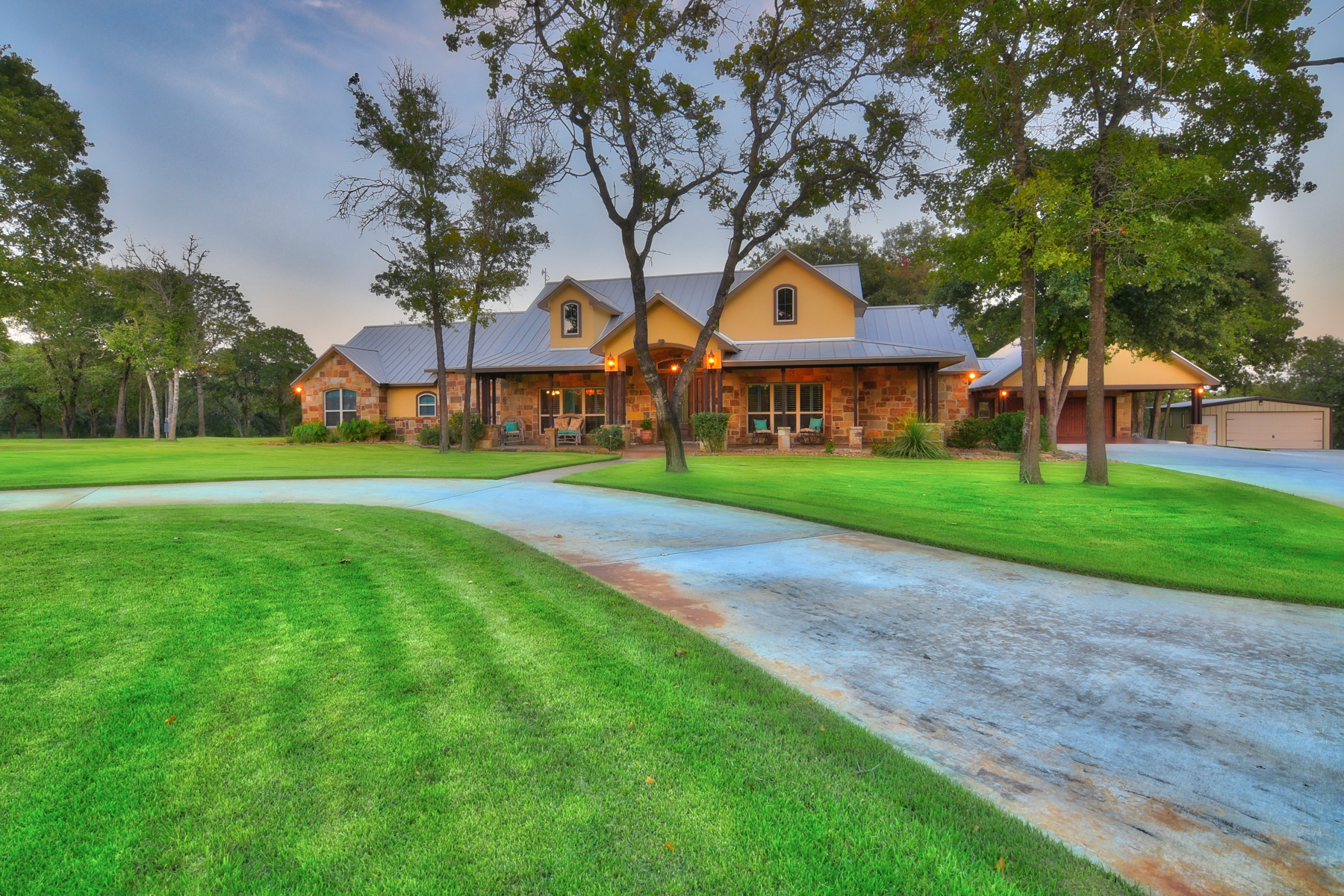 Additional photo for property listing at Breathtaking La Vernia Gem 7489 FM 775 La Vernia, Texas 78121 United States
