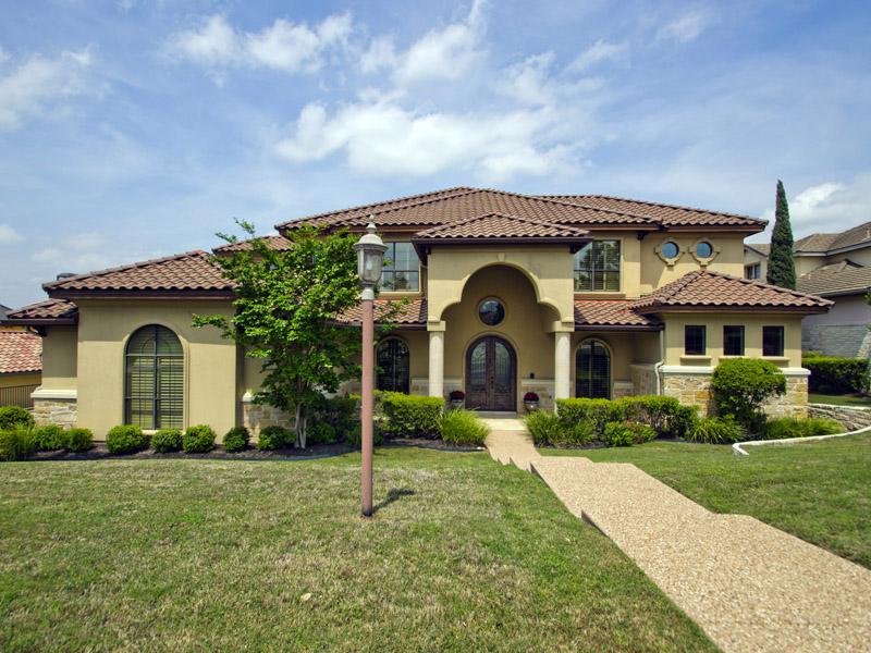 Nhà ở một gia đình vì Bán tại Executive Home on the Golf Course 109 Neville Wood Ct Austin, Texas 78738 Hoa Kỳ